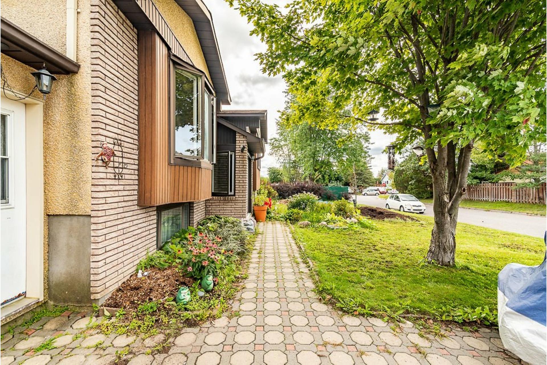 image 32 - Maison À vendre Sainte-Anne-des-Plaines - 11 pièces