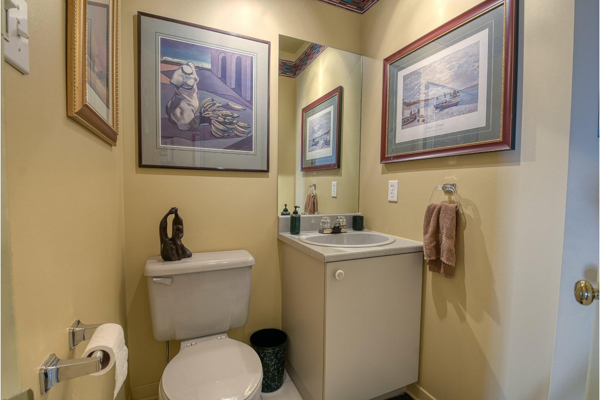 image 12 - House For sale Rivière-des-Prairies/Pointe-aux-Trembles Montréal  - 9 rooms