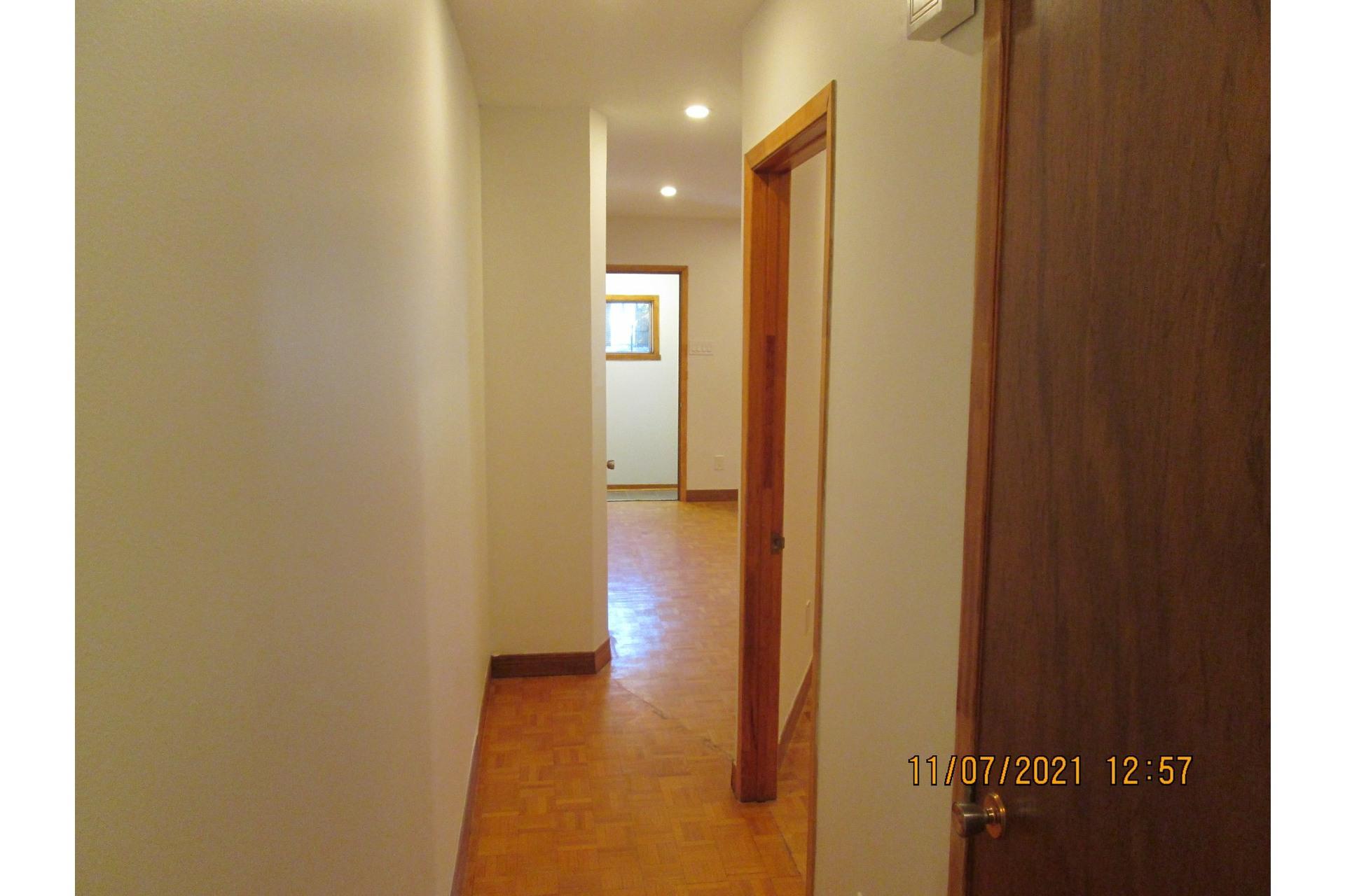 image 18 - Appartement À louer Verdun/Île-des-Soeurs Montréal  - 4 pièces