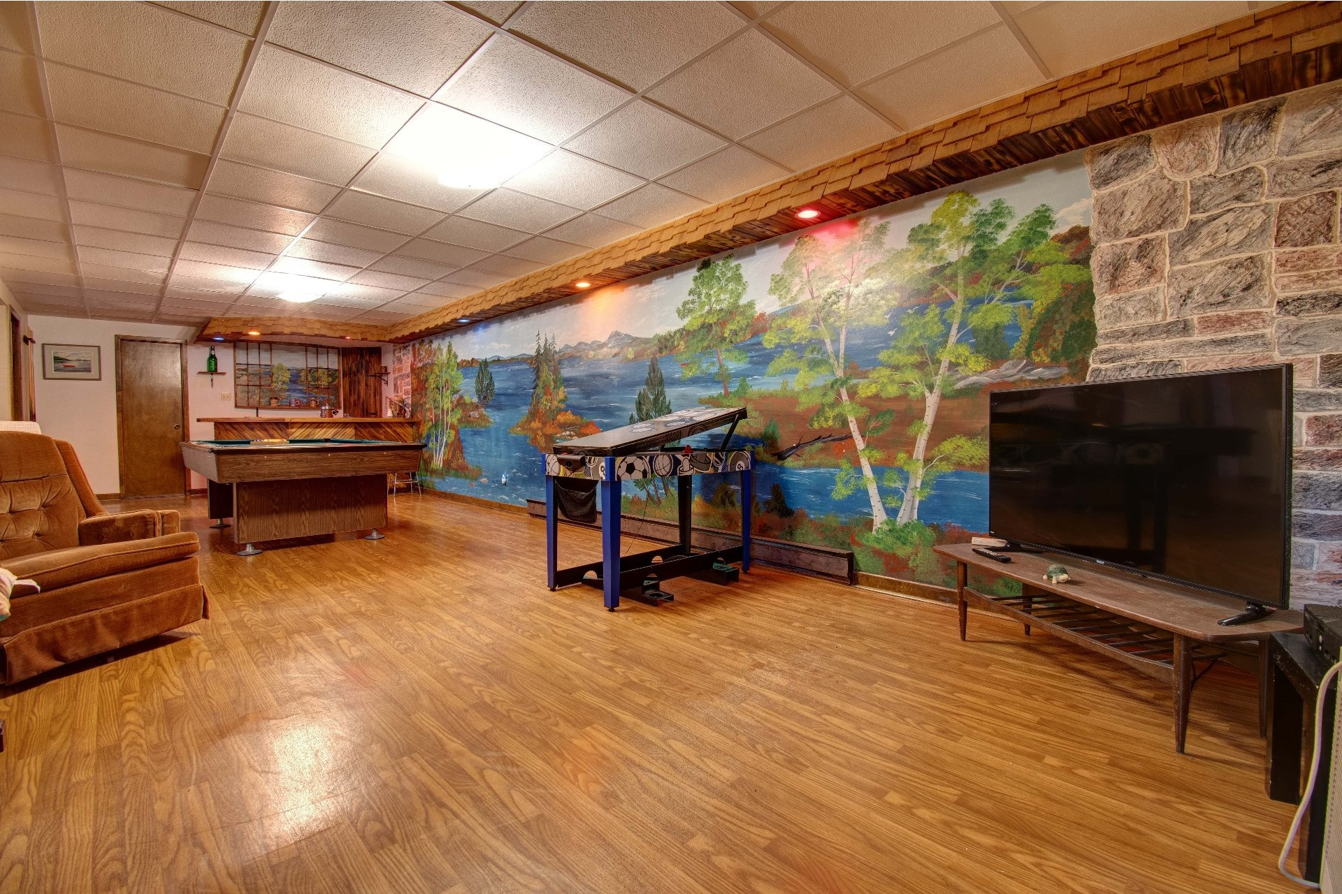 image 27 - Maison À vendre Lac-aux-Sables - 16 pièces
