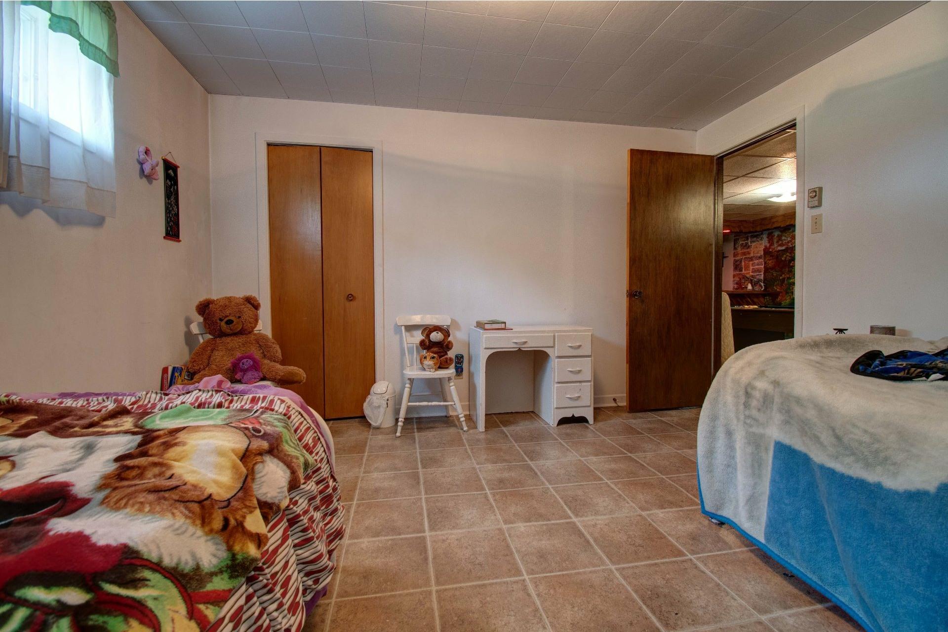 image 30 - Maison À vendre Lac-aux-Sables - 16 pièces