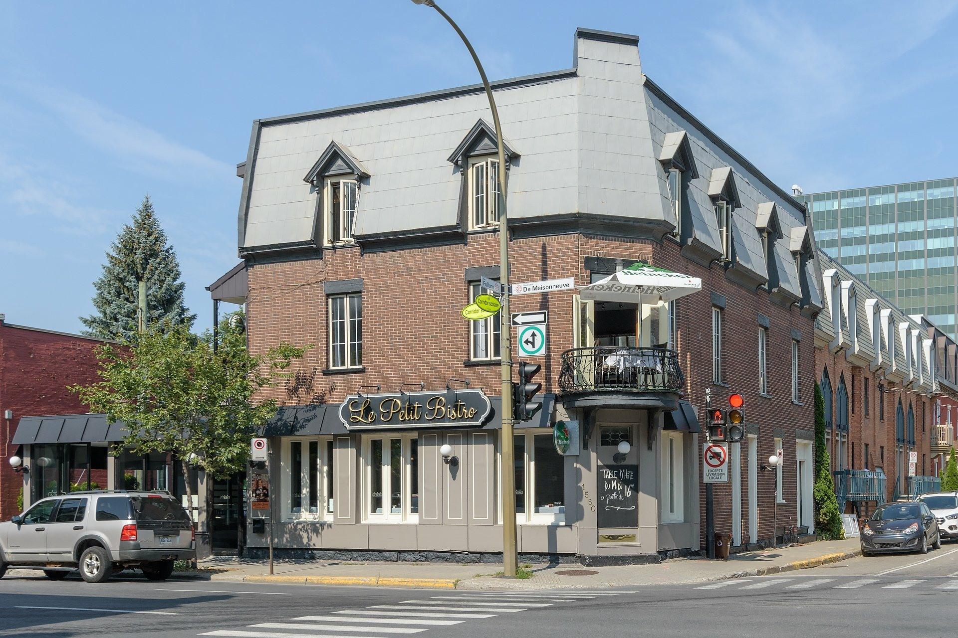 image 0 - Quadruplex For sale Ville-Marie Montréal  - 4 rooms