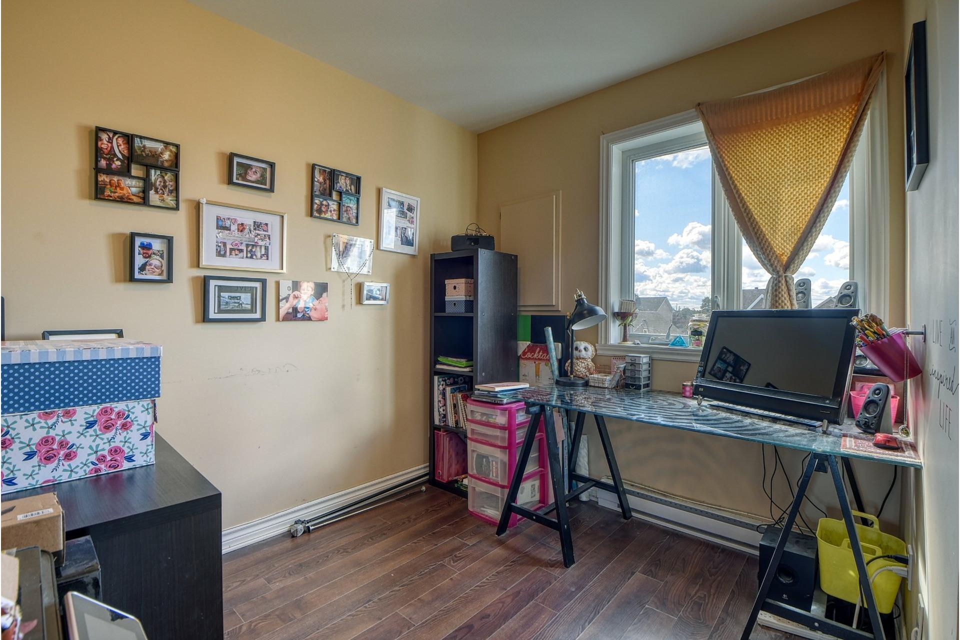 image 19 - Appartement À vendre Saint-Rémi - 9 pièces