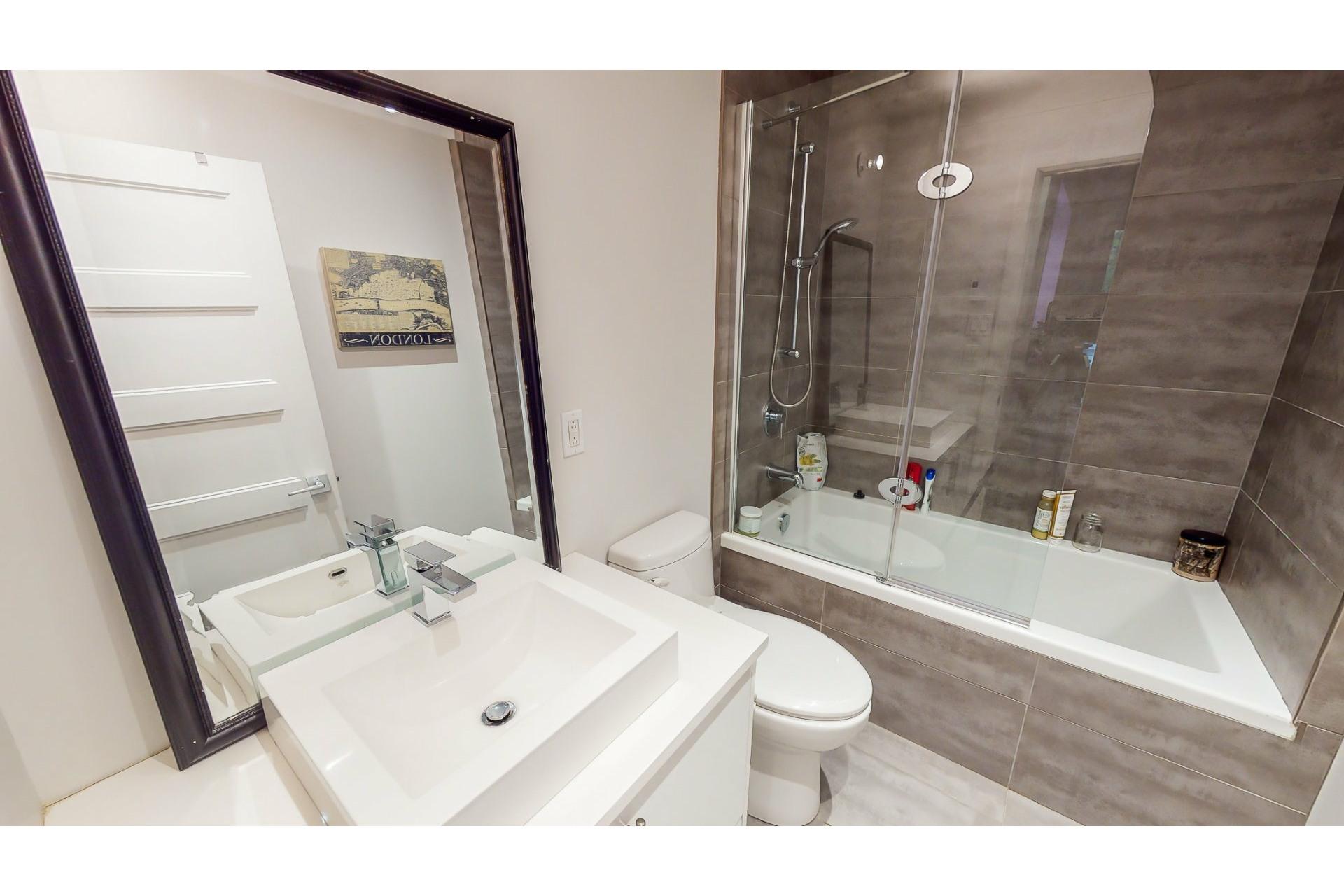 image 26 - Departamento En venta Ville-Marie Montréal  - 8 habitaciones