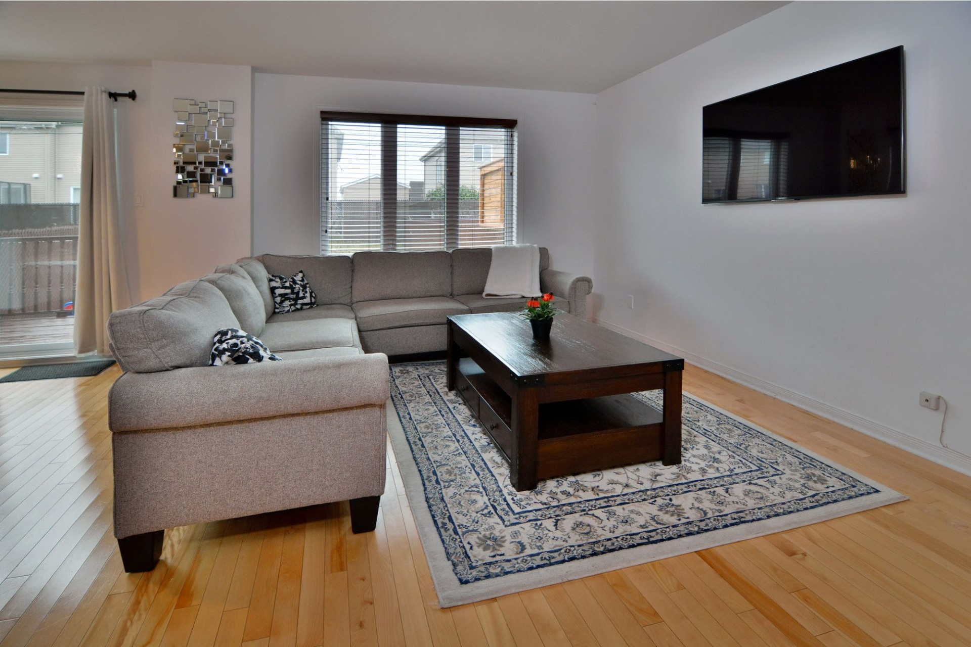 image 3 - House For sale Vaudreuil-Dorion - 12 rooms
