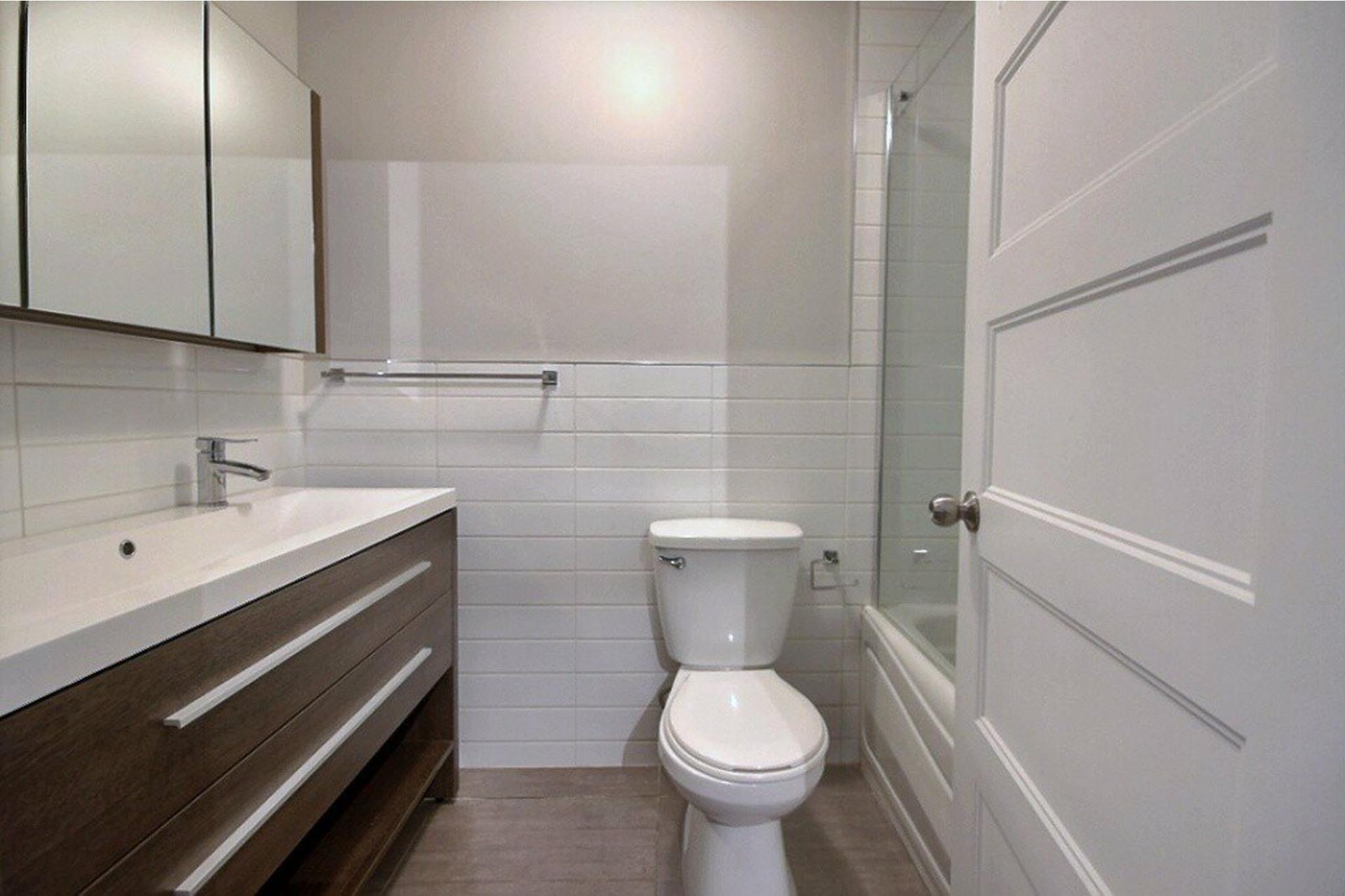 image 8 - Apartment For rent LaSalle Montréal  - 5 rooms