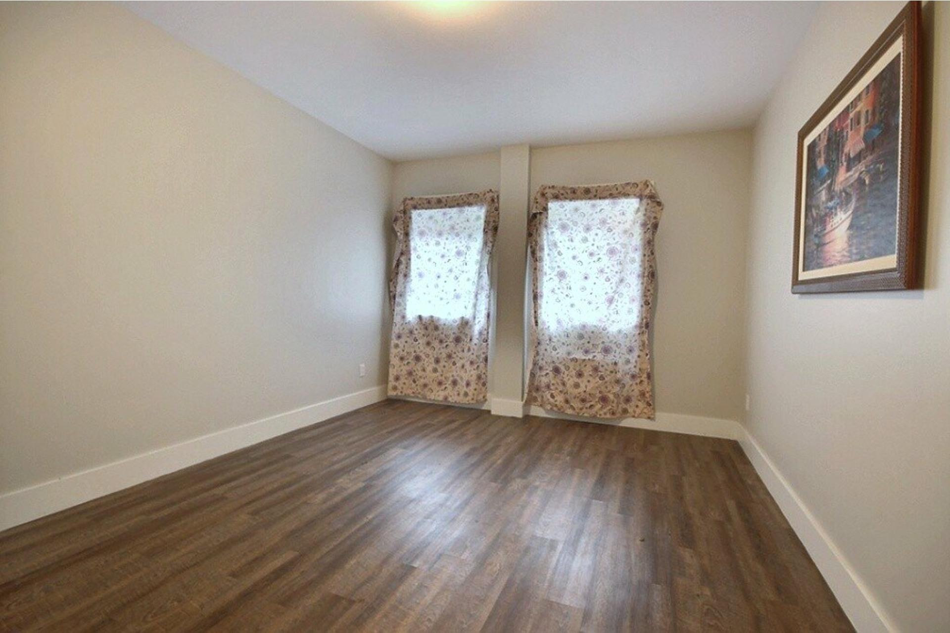 image 13 - Apartment For rent LaSalle Montréal  - 5 rooms