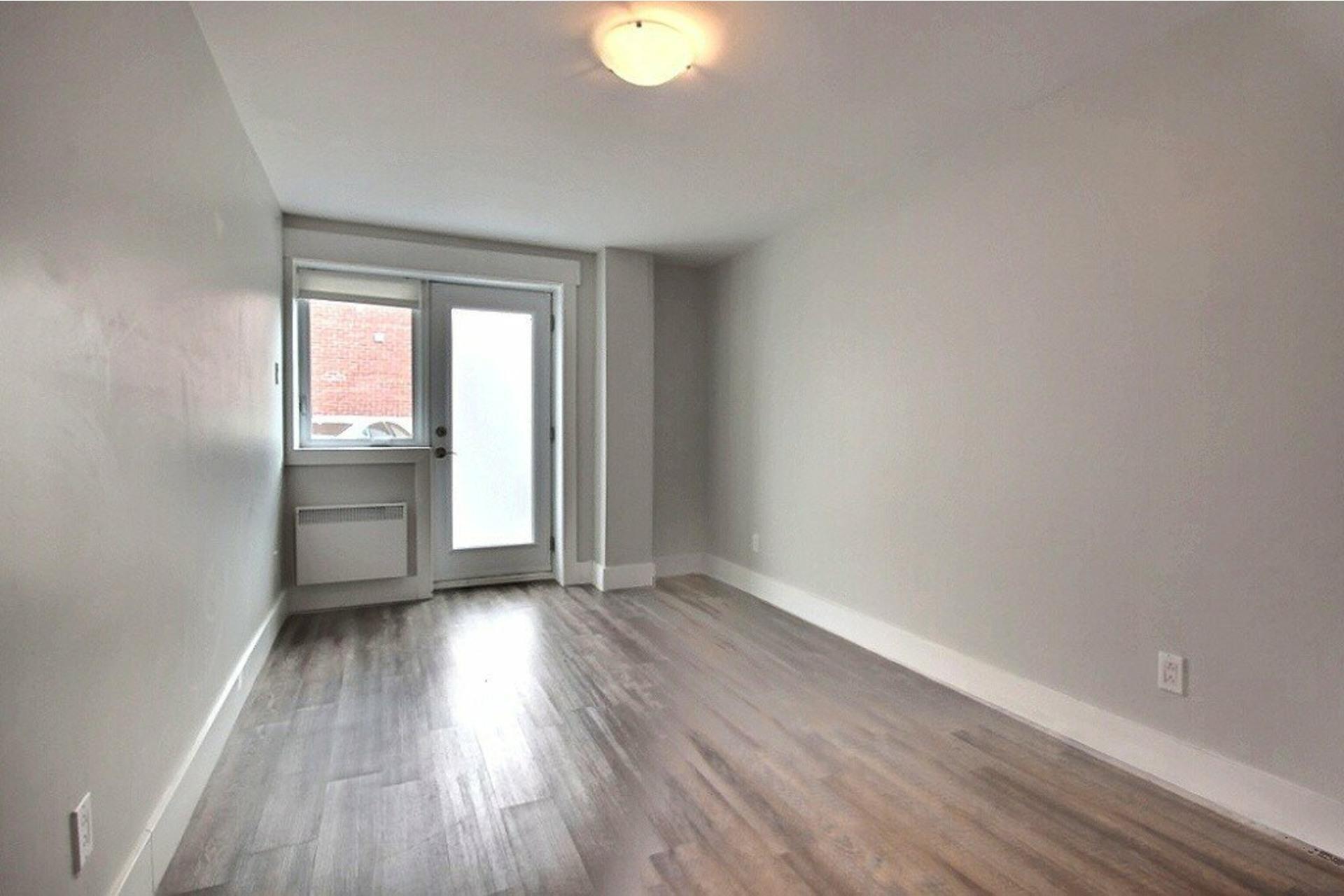 image 11 - Apartment For rent LaSalle Montréal  - 5 rooms