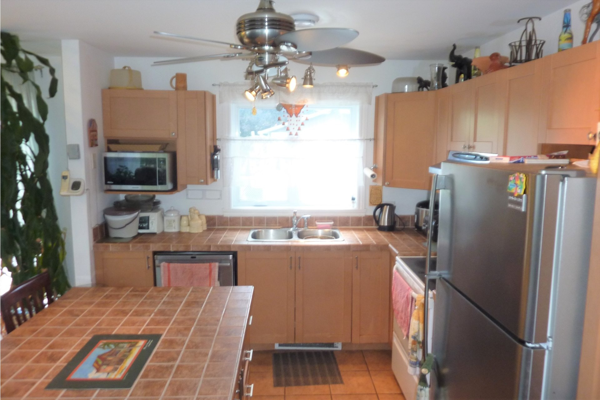image 3 - House For sale Châteauguay - 10 rooms