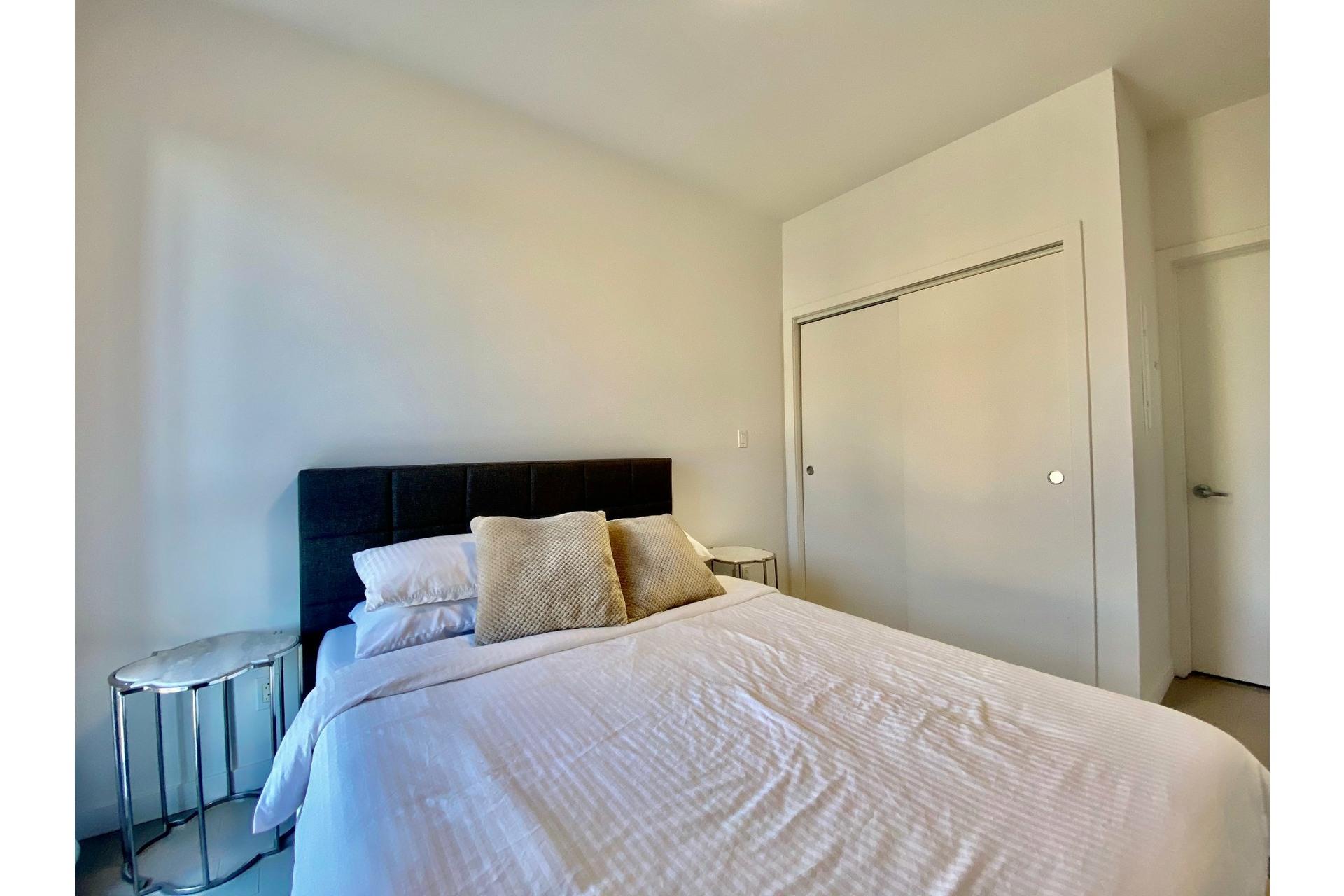 image 12 - Appartement À vendre Lachine Montréal  - 7 pièces