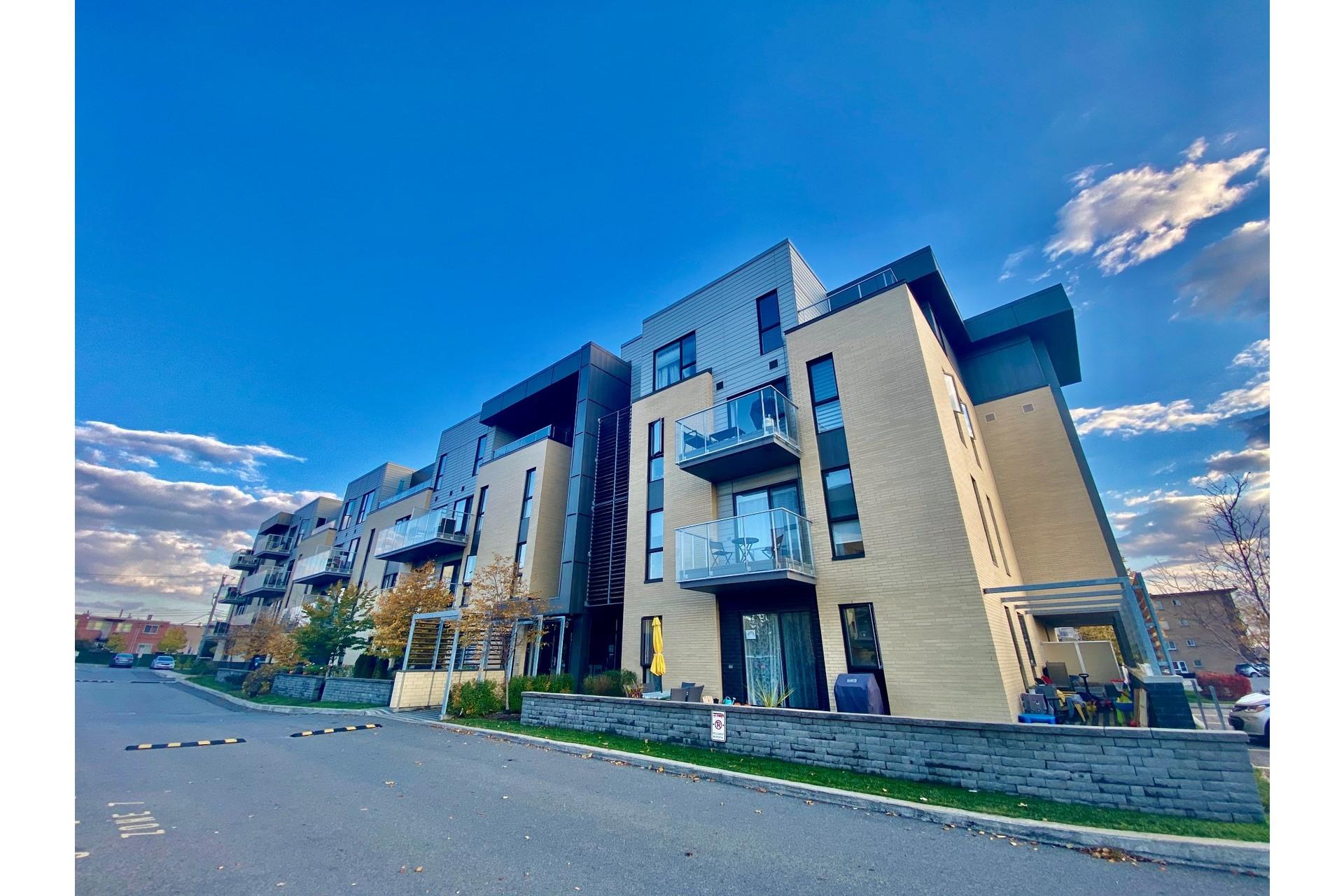image 0 - Appartement À vendre Lachine Montréal  - 7 pièces