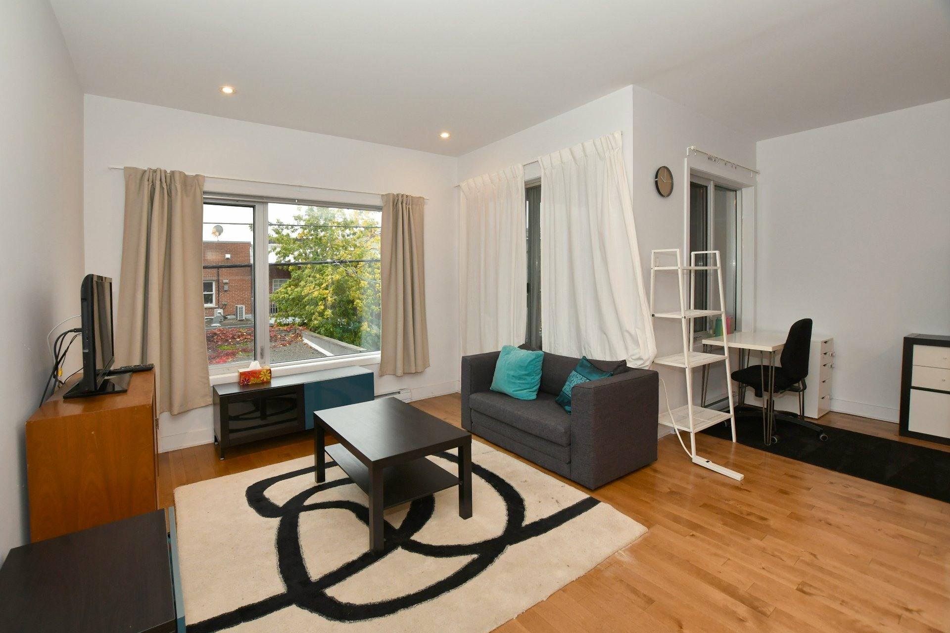 image 0 - Appartement À louer Le Plateau-Mont-Royal Montréal  - 4 pièces