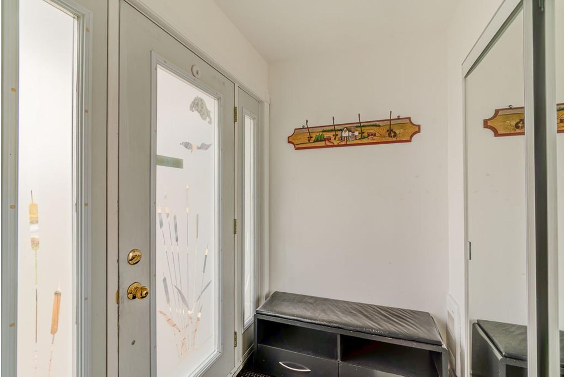 image 2 - House For sale Saint-Lin/Laurentides - 7 rooms