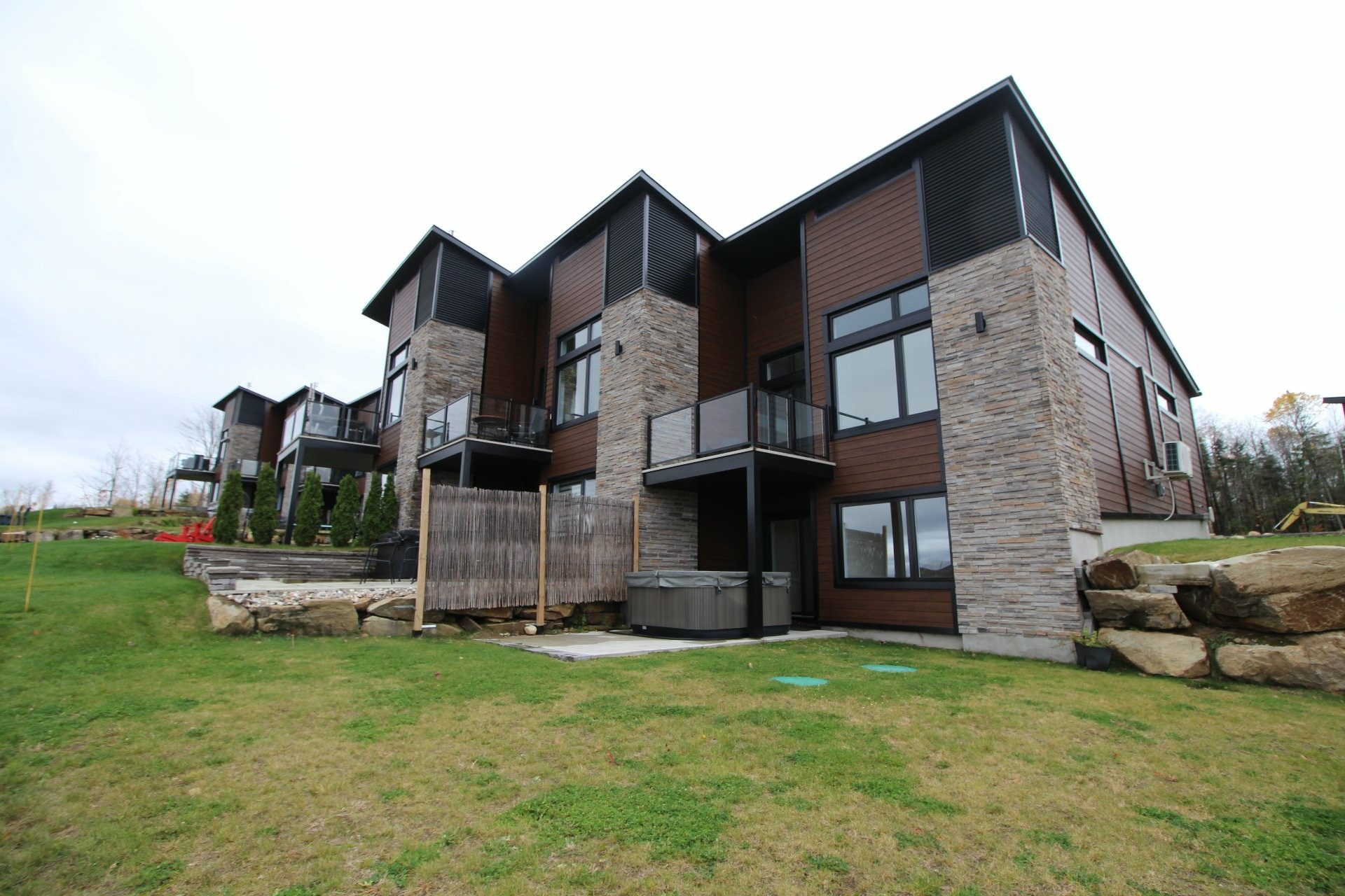 image 0 - House For sale Saint-Jean-de-Matha - 9 rooms