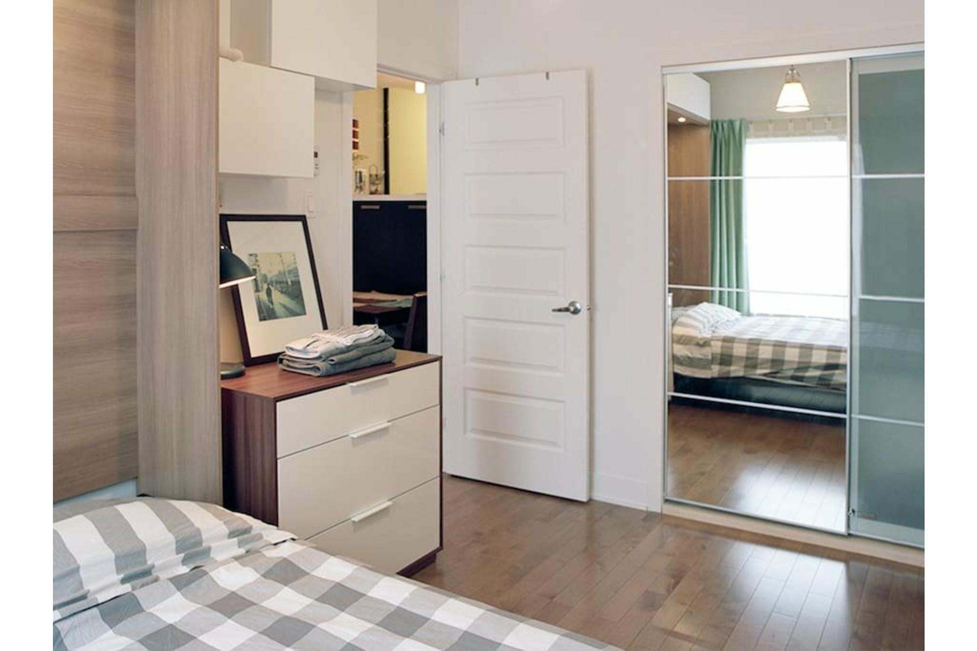 image 16 - Appartement À louer Le Plateau-Mont-Royal Montréal  - 4 pièces