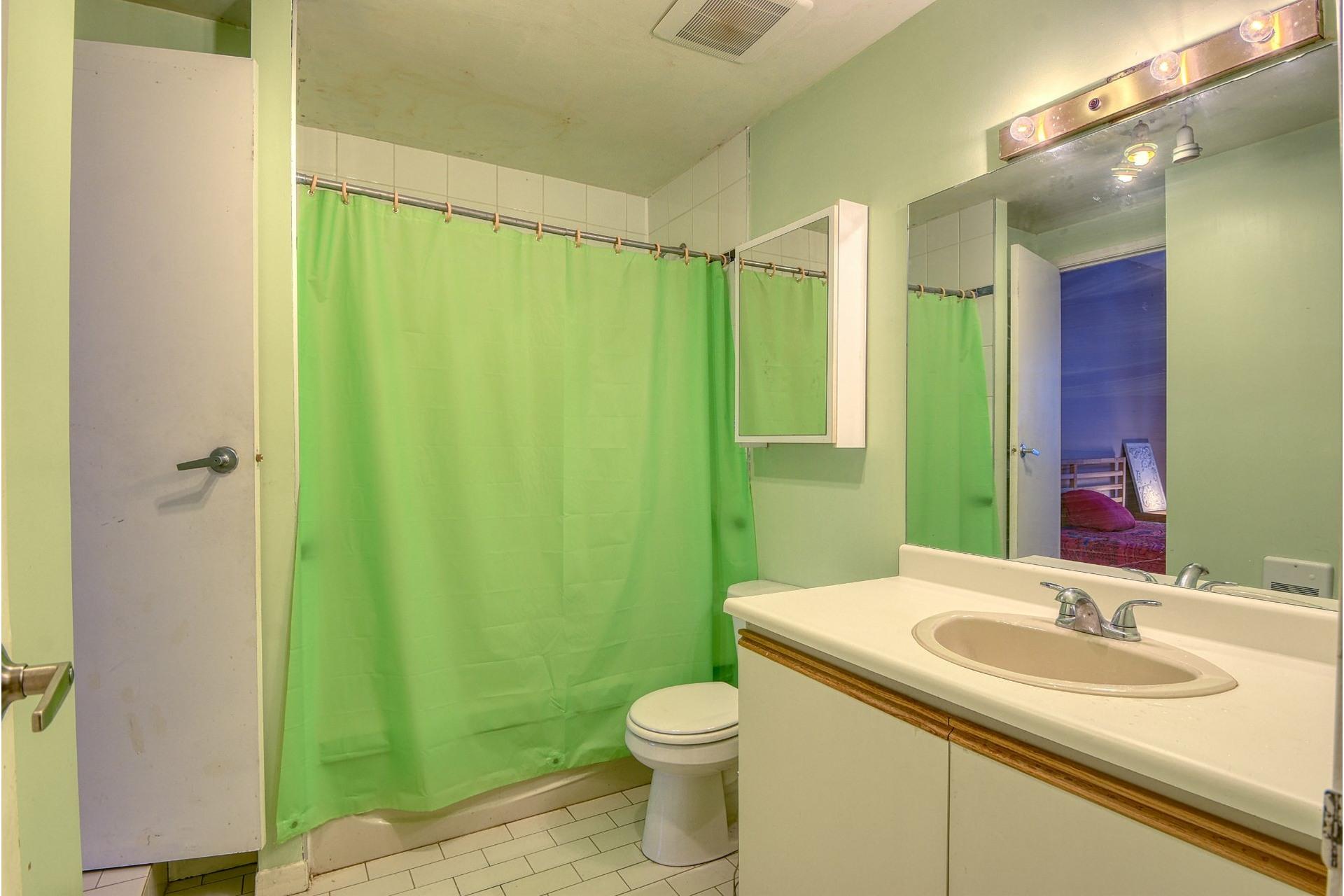 image 14 - Appartamento In Vendita Le Plateau-Mont-Royal Montréal  - 5 stanze