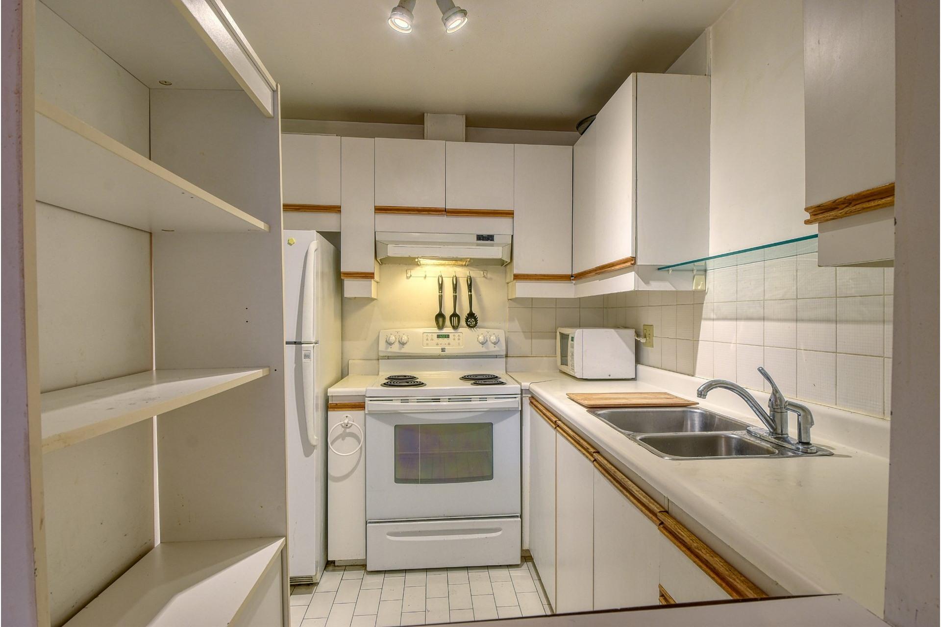 image 8 - Appartamento In Vendita Le Plateau-Mont-Royal Montréal  - 5 stanze