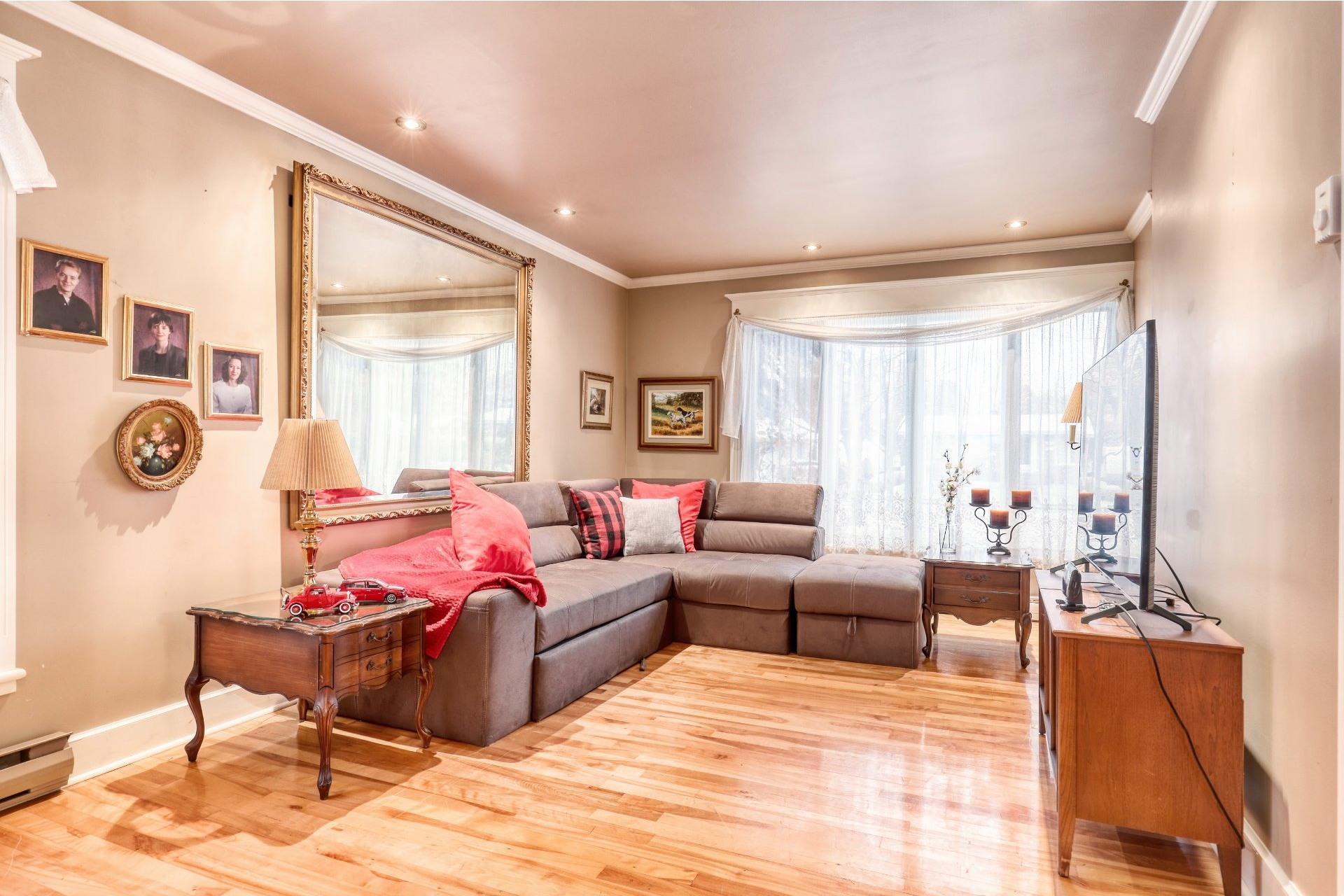 image 1 - House For sale Joliette - 10 rooms
