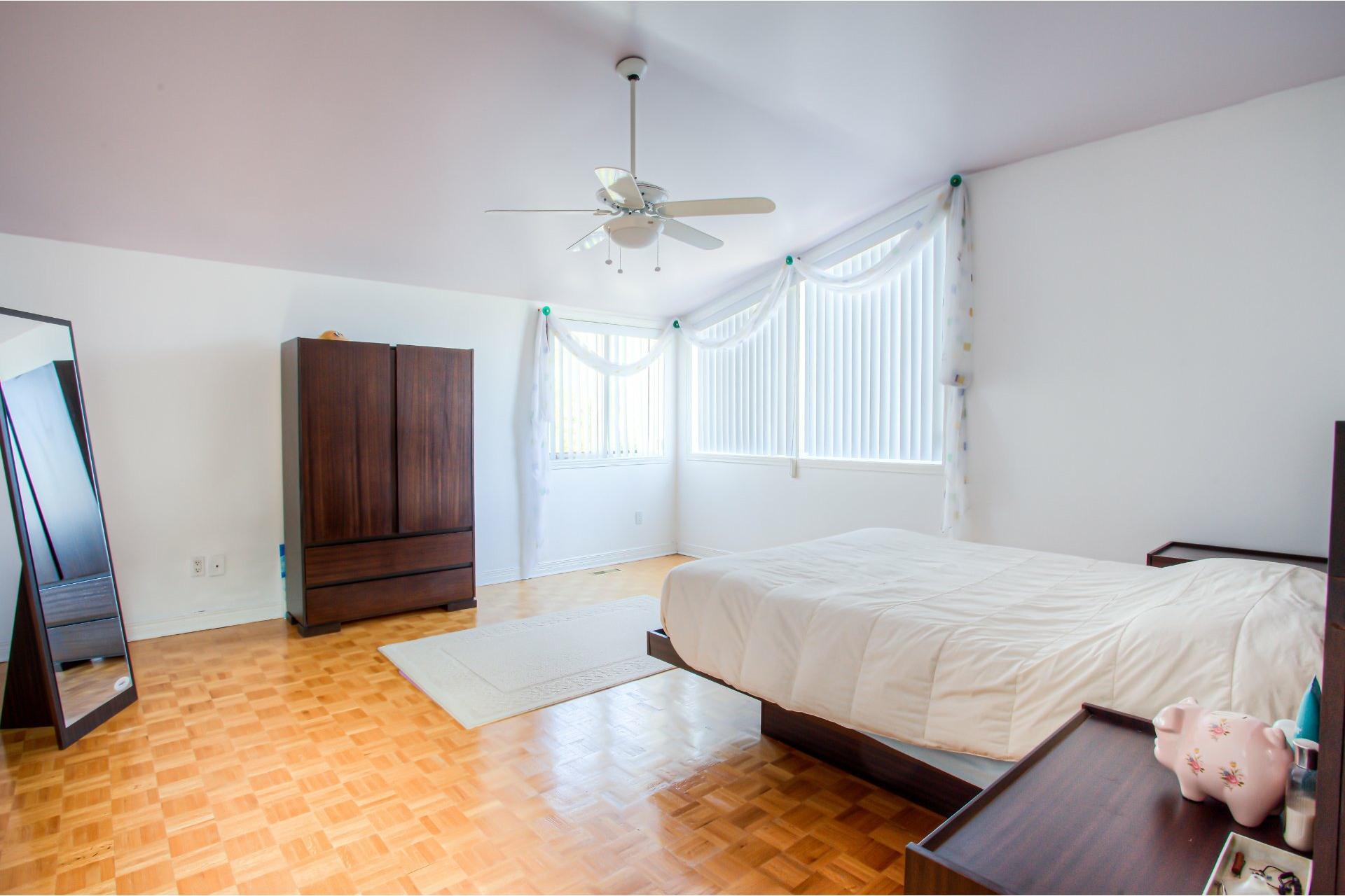 image 9 - House For sale Dollard-Des Ormeaux - 16 rooms