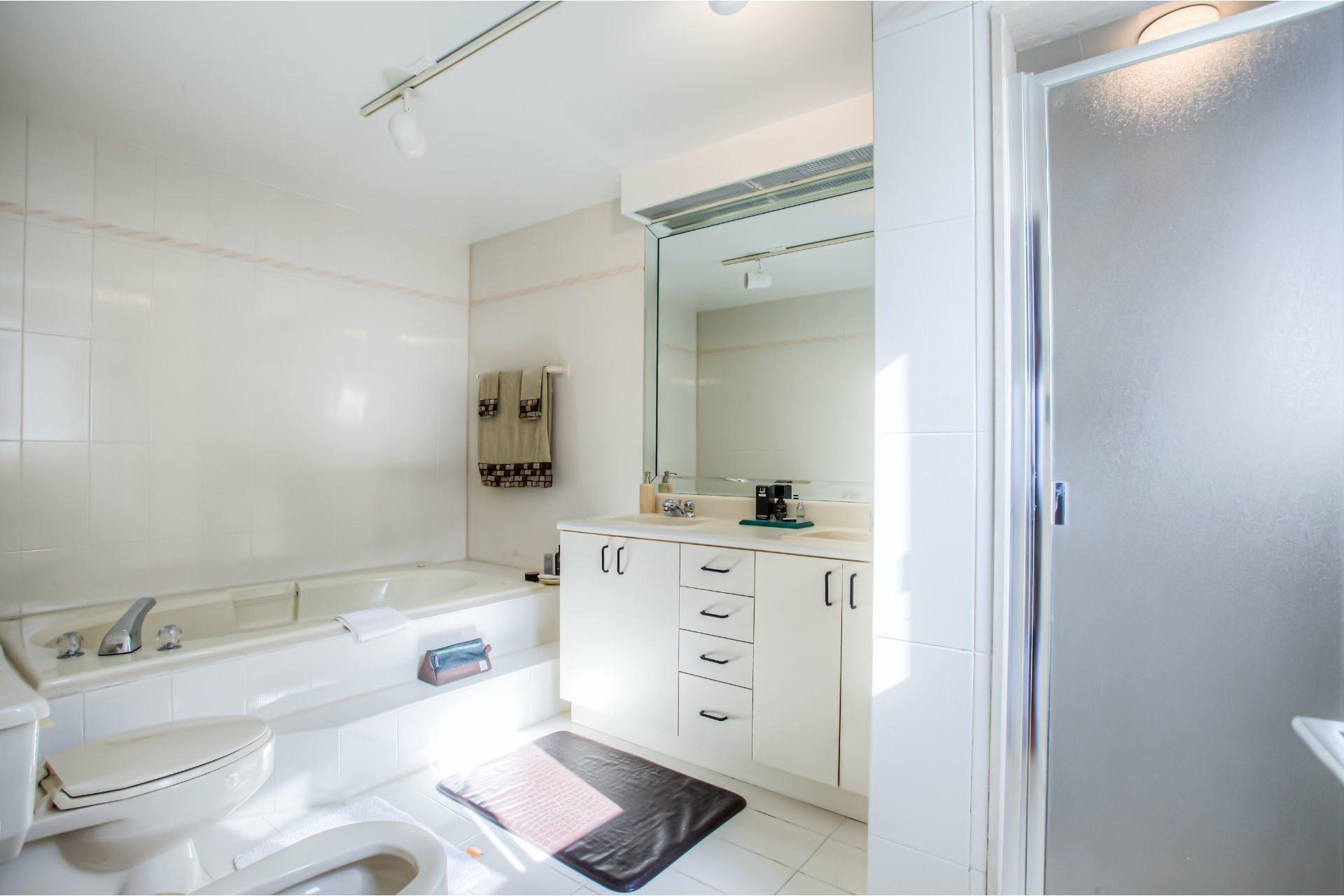 image 12 - House For sale Dollard-Des Ormeaux - 16 rooms
