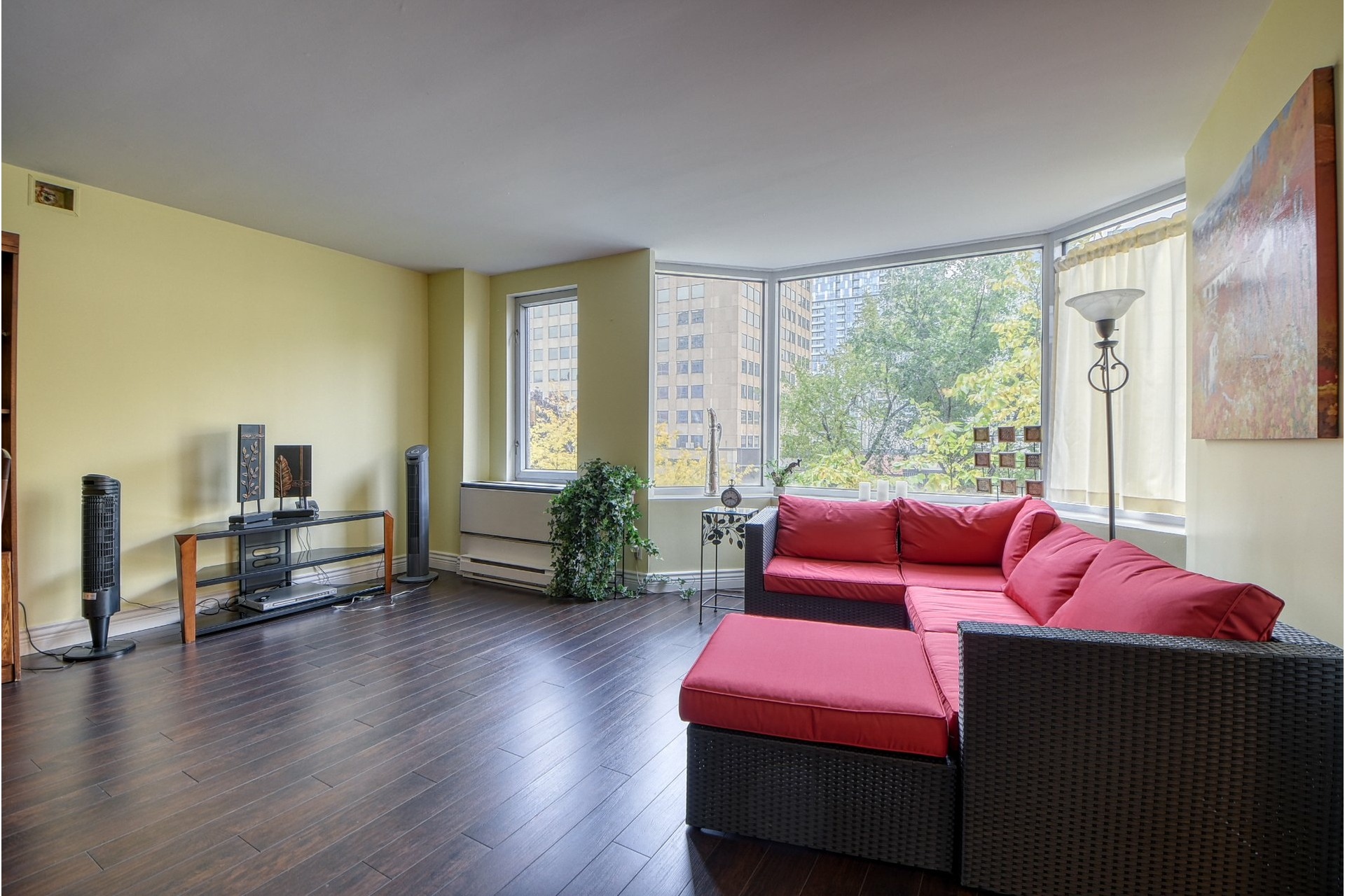 image 2 - Apartment For sale Ville-Marie Montréal  - 4 rooms