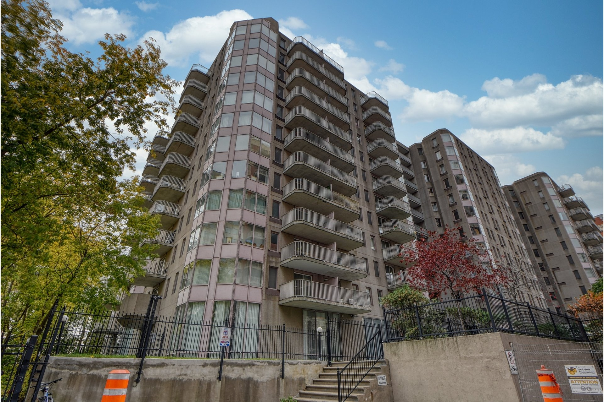 image 0 - Apartment For sale Ville-Marie Montréal  - 4 rooms