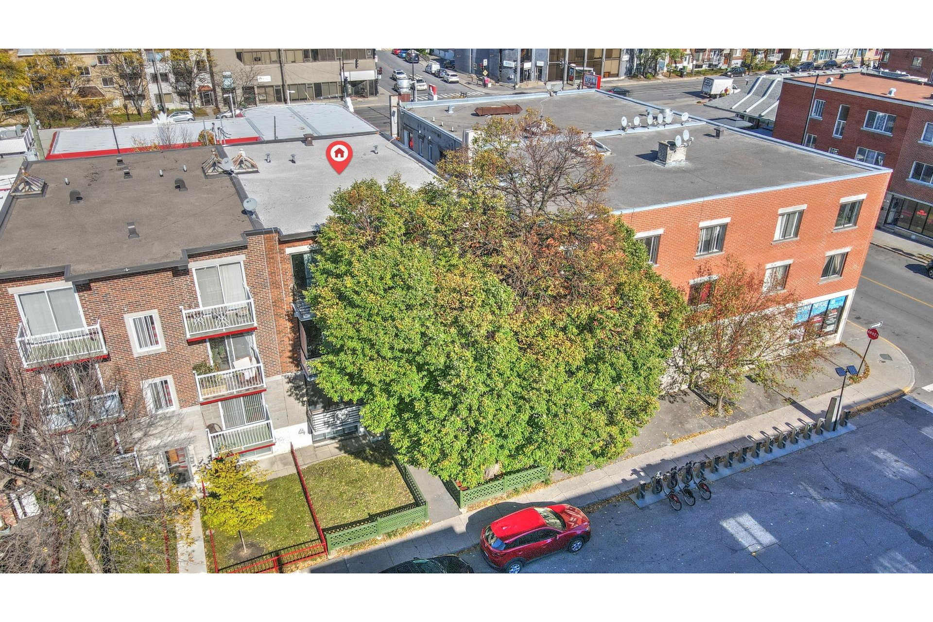 image 10 - Income property For sale Villeray/Saint-Michel/Parc-Extension Montréal  - 3 rooms