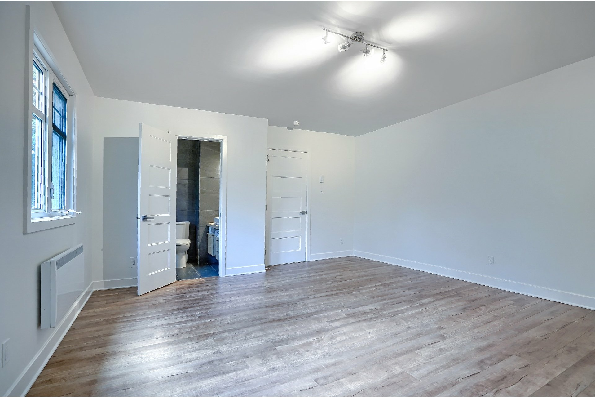 image 18 - House For sale Brossard - 16 rooms