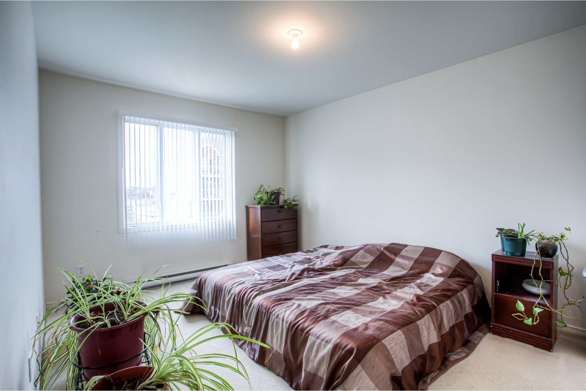 image 5 - House For sale Vaudreuil-Dorion - 8 rooms