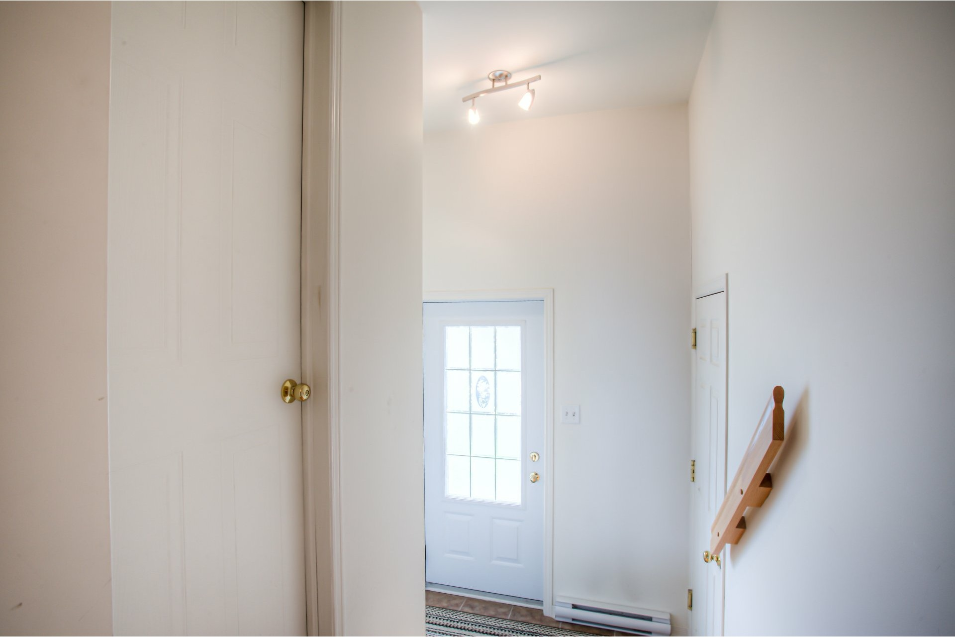 image 1 - House For sale Vaudreuil-Dorion - 8 rooms