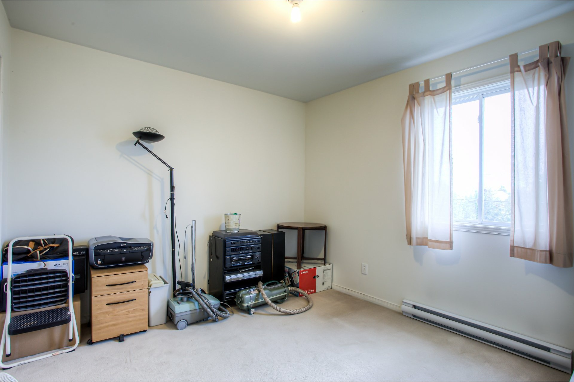image 6 - House For sale Vaudreuil-Dorion - 8 rooms