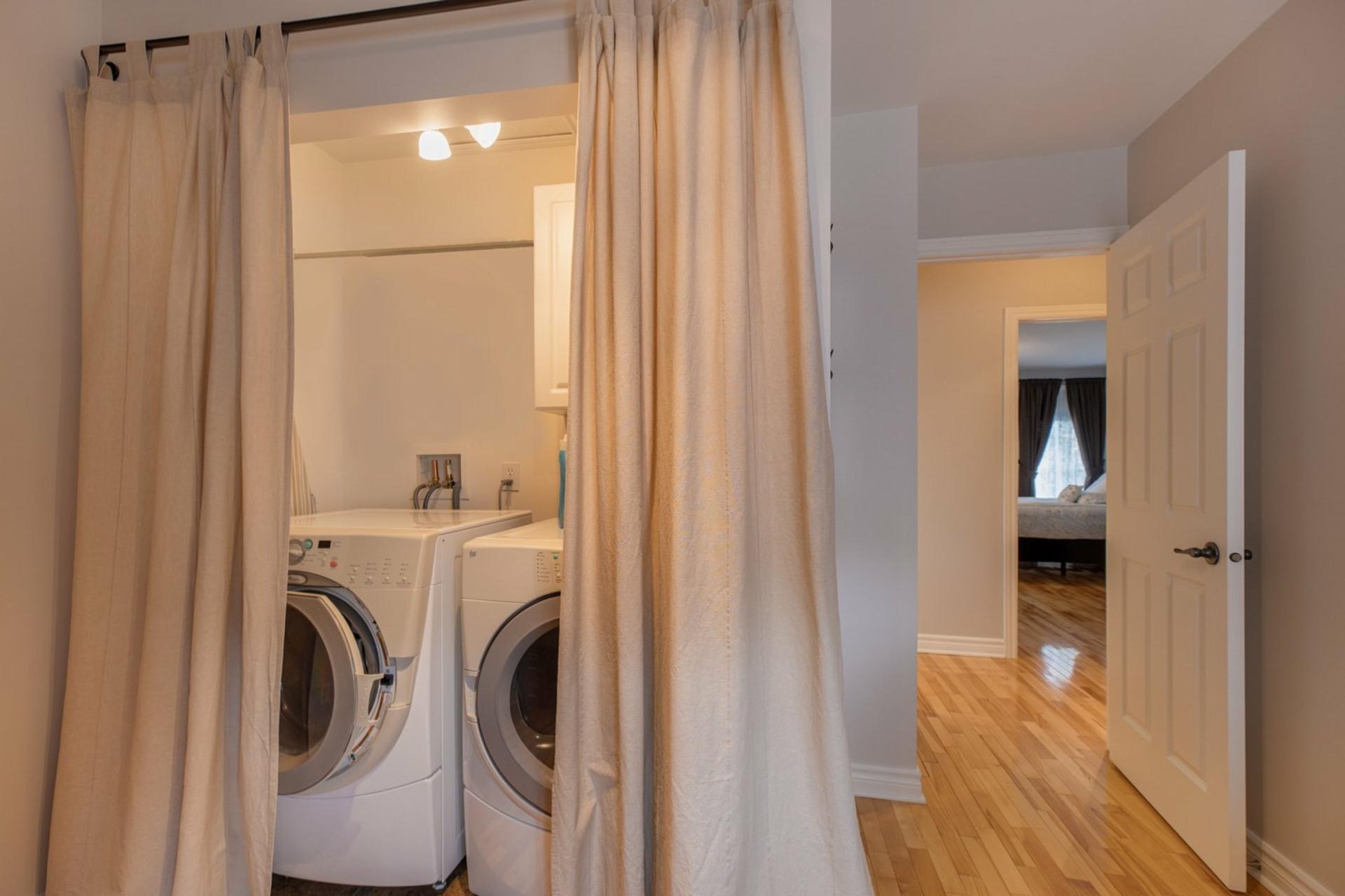 image 20 - House For sale Ahuntsic-Cartierville Montréal  - 8 rooms