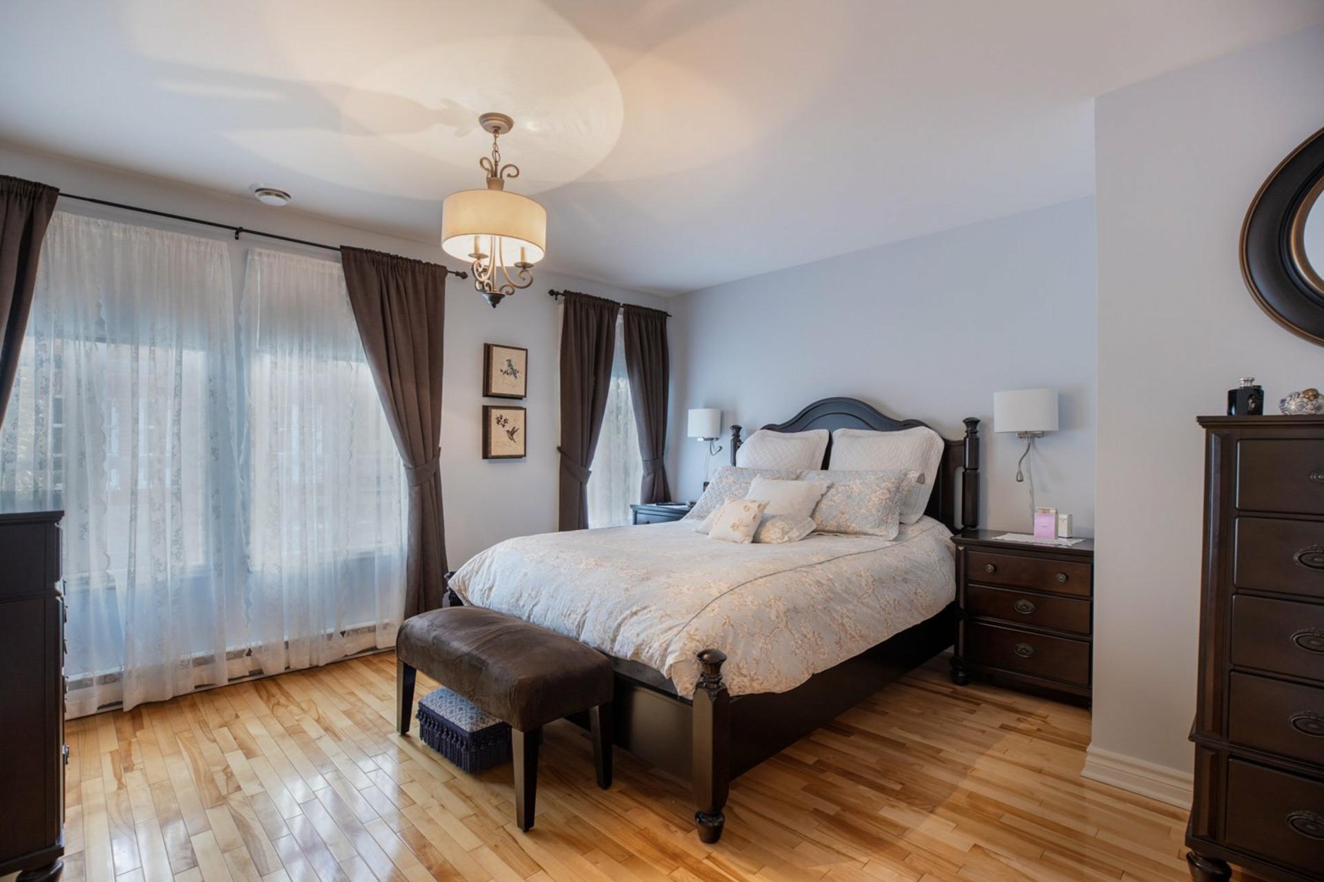 image 14 - House For sale Ahuntsic-Cartierville Montréal  - 8 rooms