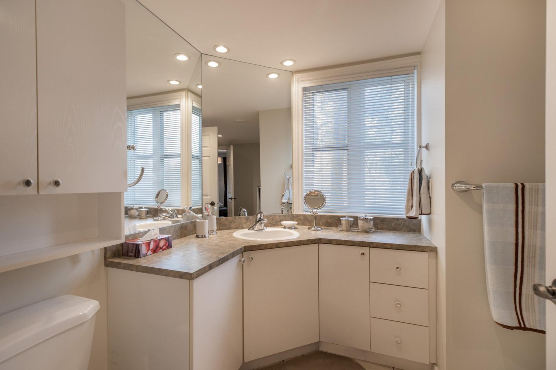 image 17 - House For sale Ahuntsic-Cartierville Montréal  - 8 rooms