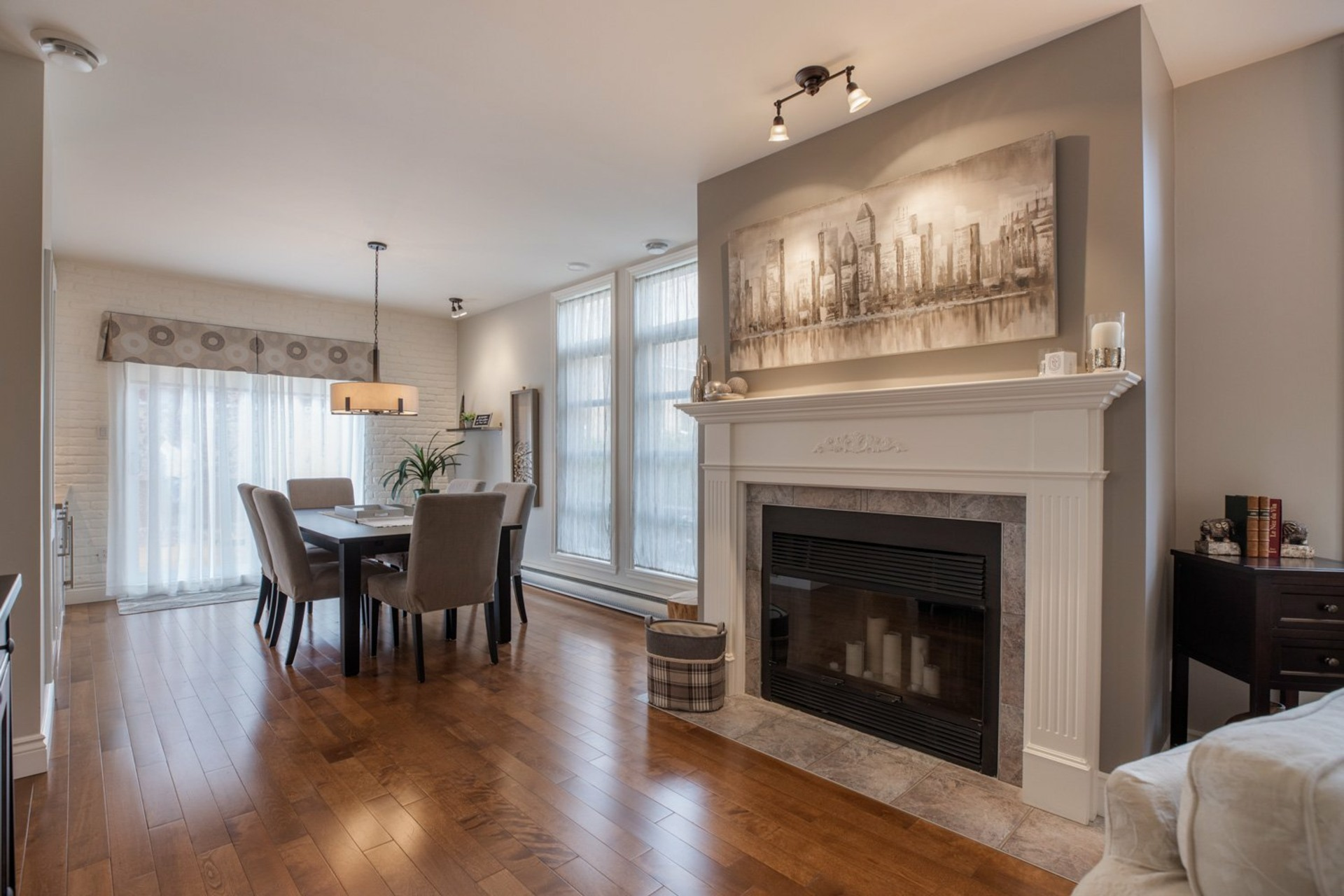 image 3 - House For sale Ahuntsic-Cartierville Montréal  - 8 rooms