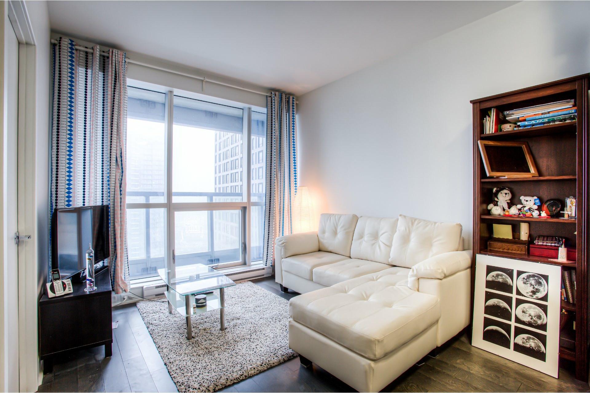 image 7 - Appartement À louer Ville-Marie Montréal  - 5 pièces