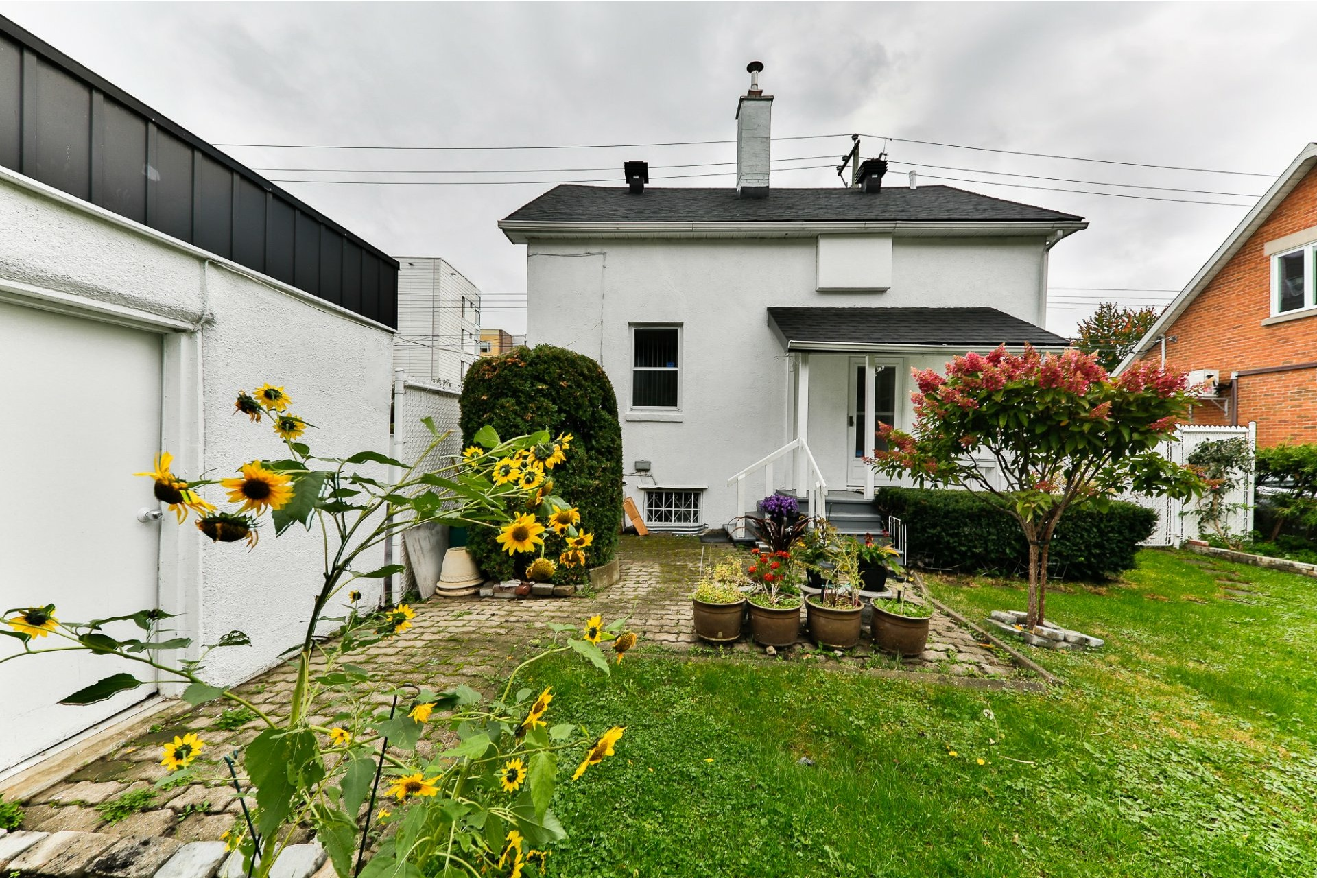 image 4 - House For sale Ahuntsic-Cartierville Montréal  - 8 rooms