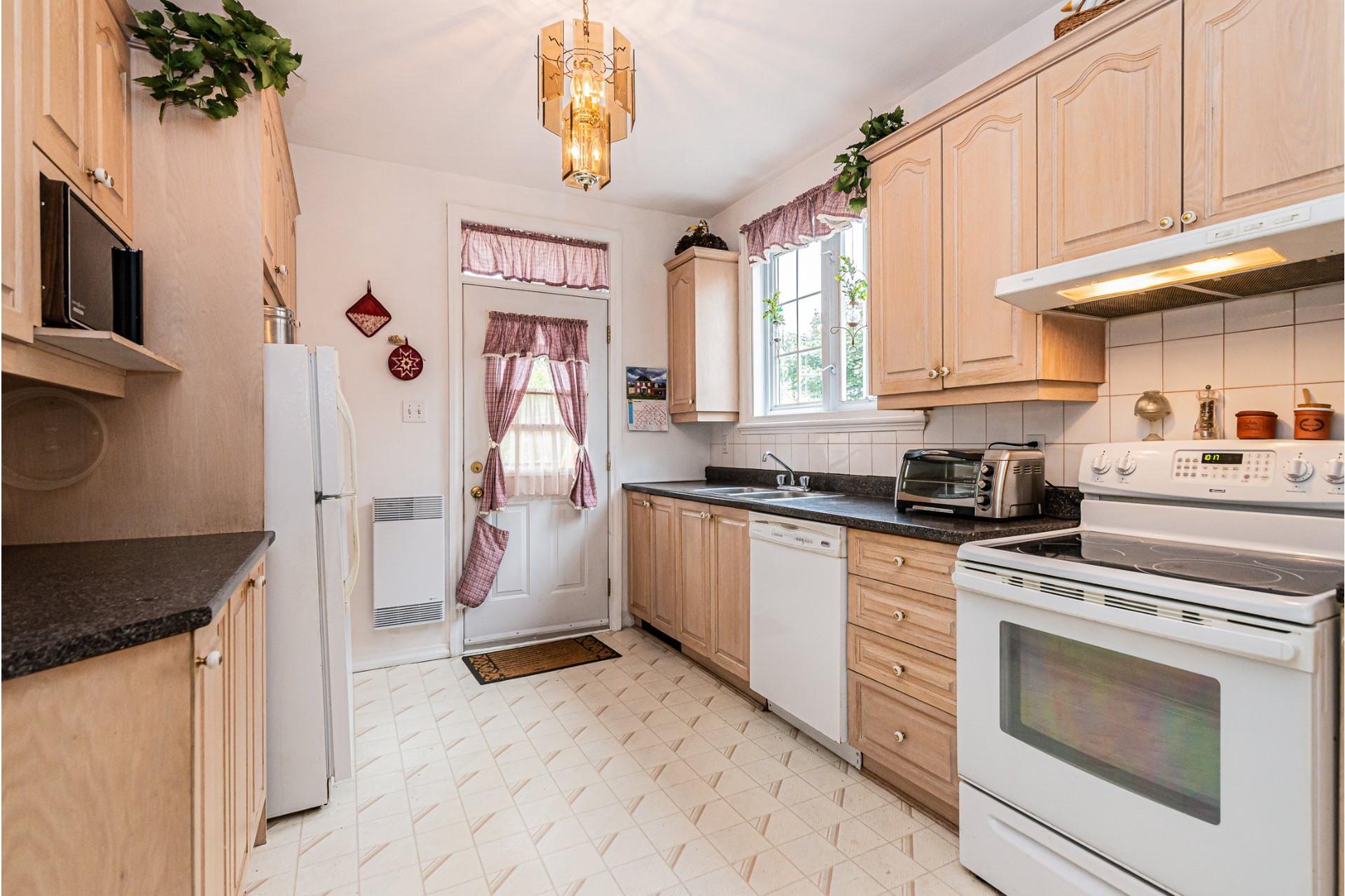 image 18 - Appartement À vendre Côte-des-Neiges/Notre-Dame-de-Grâce Montréal  - 7 pièces