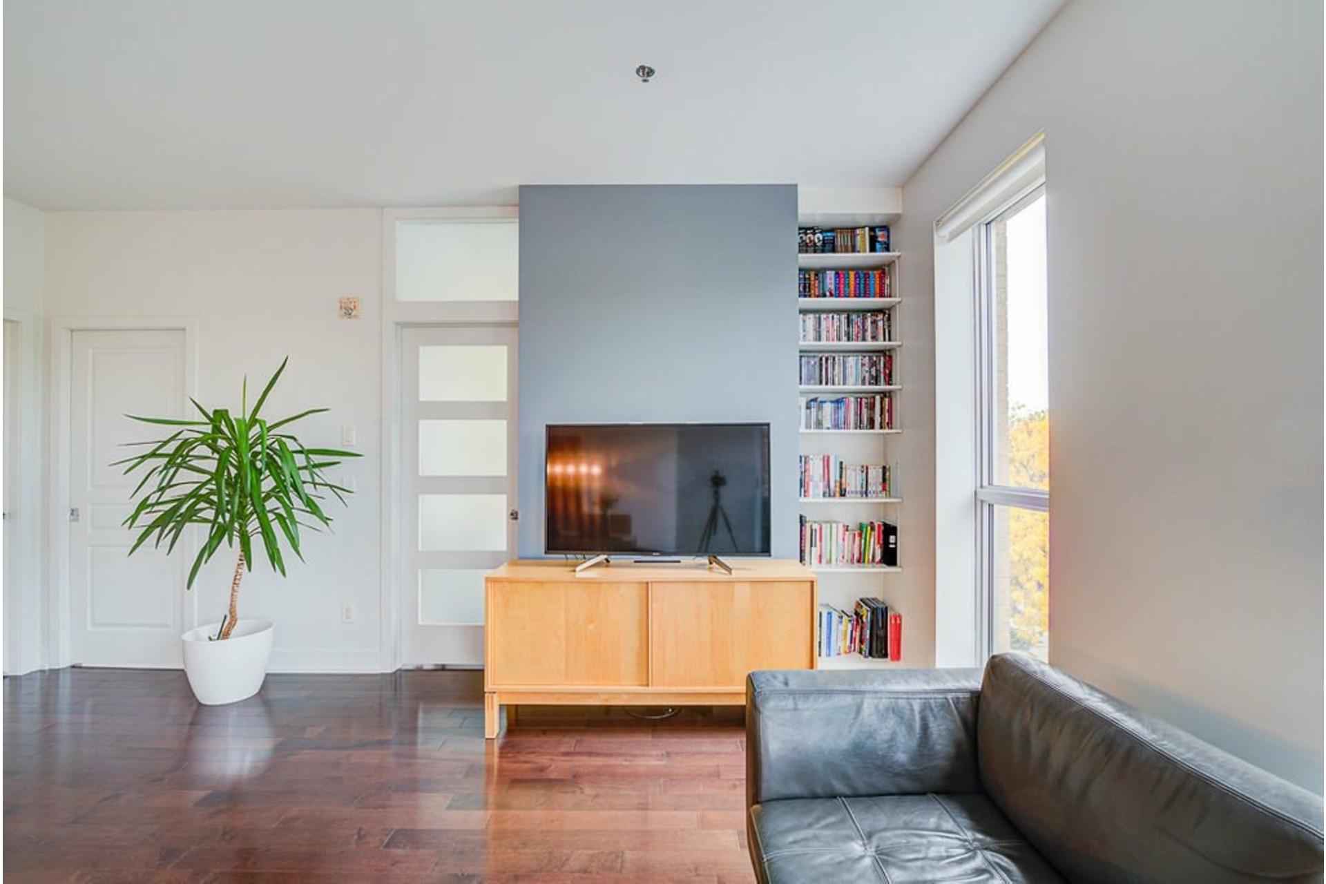 image 3 - Appartement À vendre Villeray/Saint-Michel/Parc-Extension Montréal  - 6 pièces
