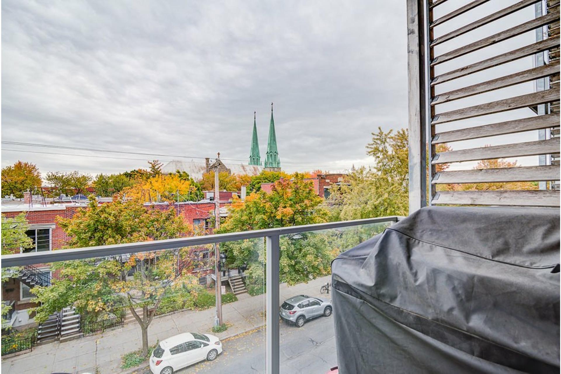 image 29 - Appartement À vendre Villeray/Saint-Michel/Parc-Extension Montréal  - 6 pièces
