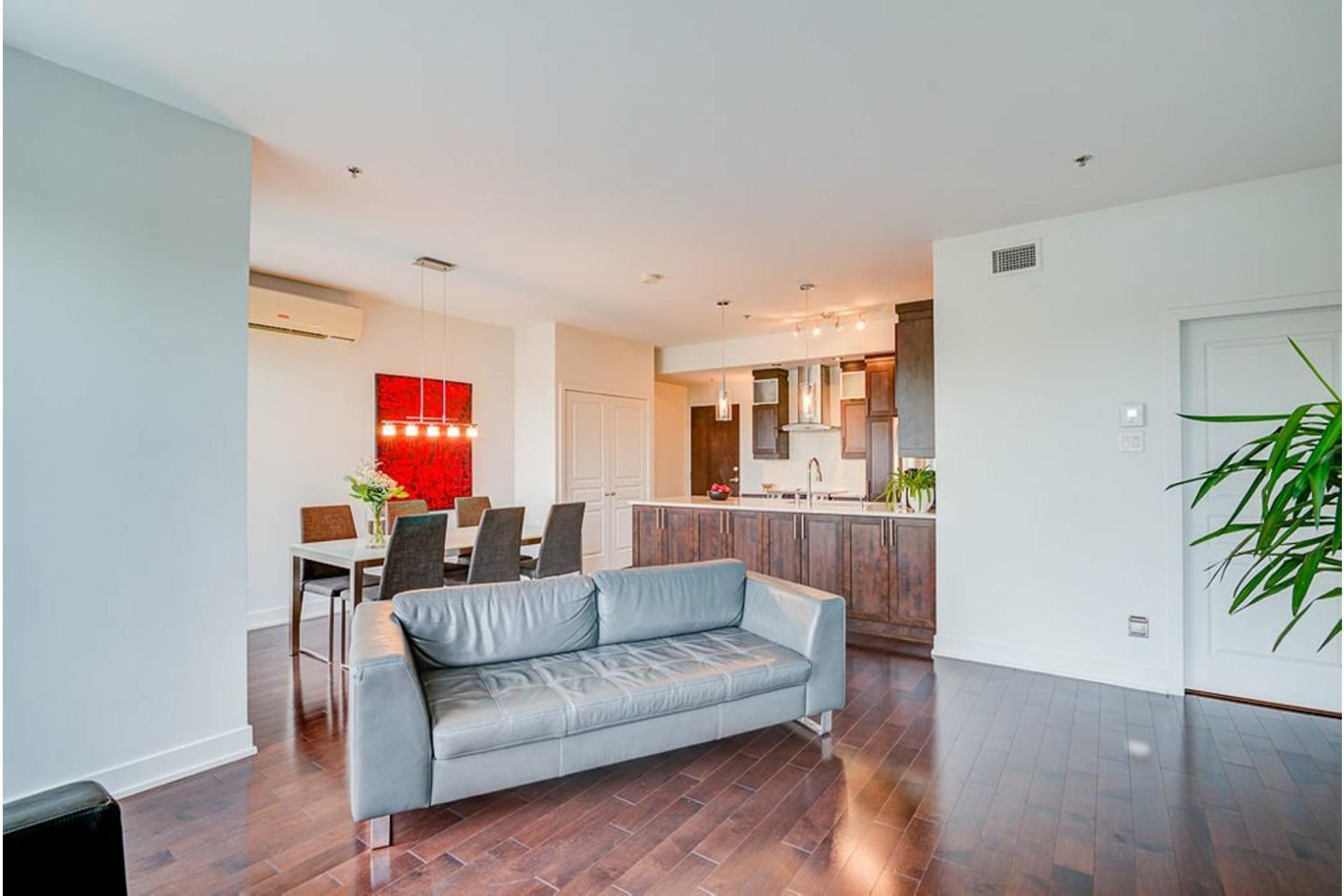 image 5 - Appartement À vendre Villeray/Saint-Michel/Parc-Extension Montréal  - 6 pièces