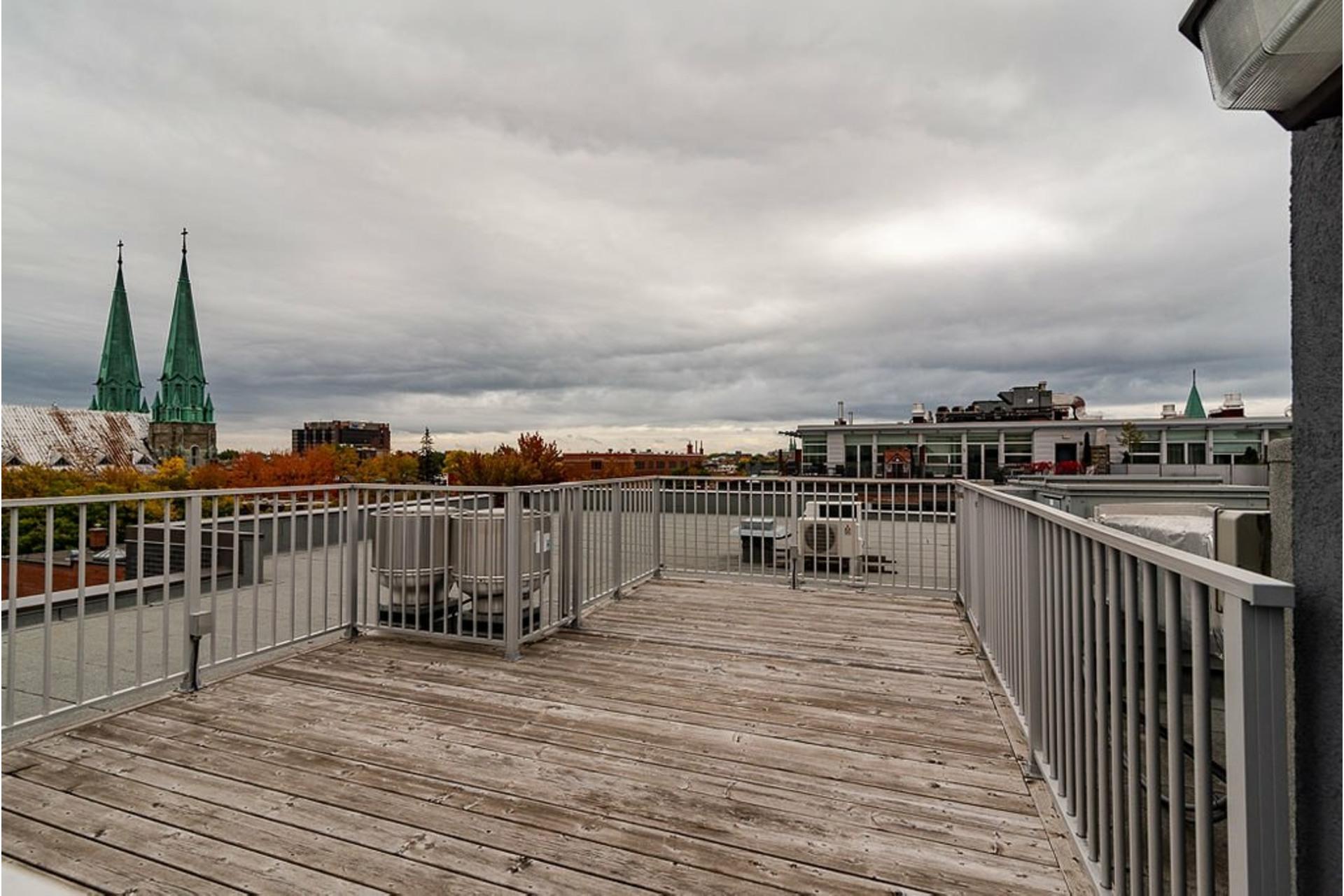 image 30 - Appartement À vendre Villeray/Saint-Michel/Parc-Extension Montréal  - 6 pièces