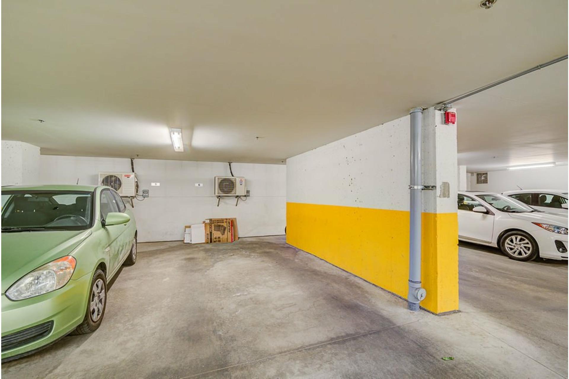 image 33 - Appartement À vendre Villeray/Saint-Michel/Parc-Extension Montréal  - 6 pièces