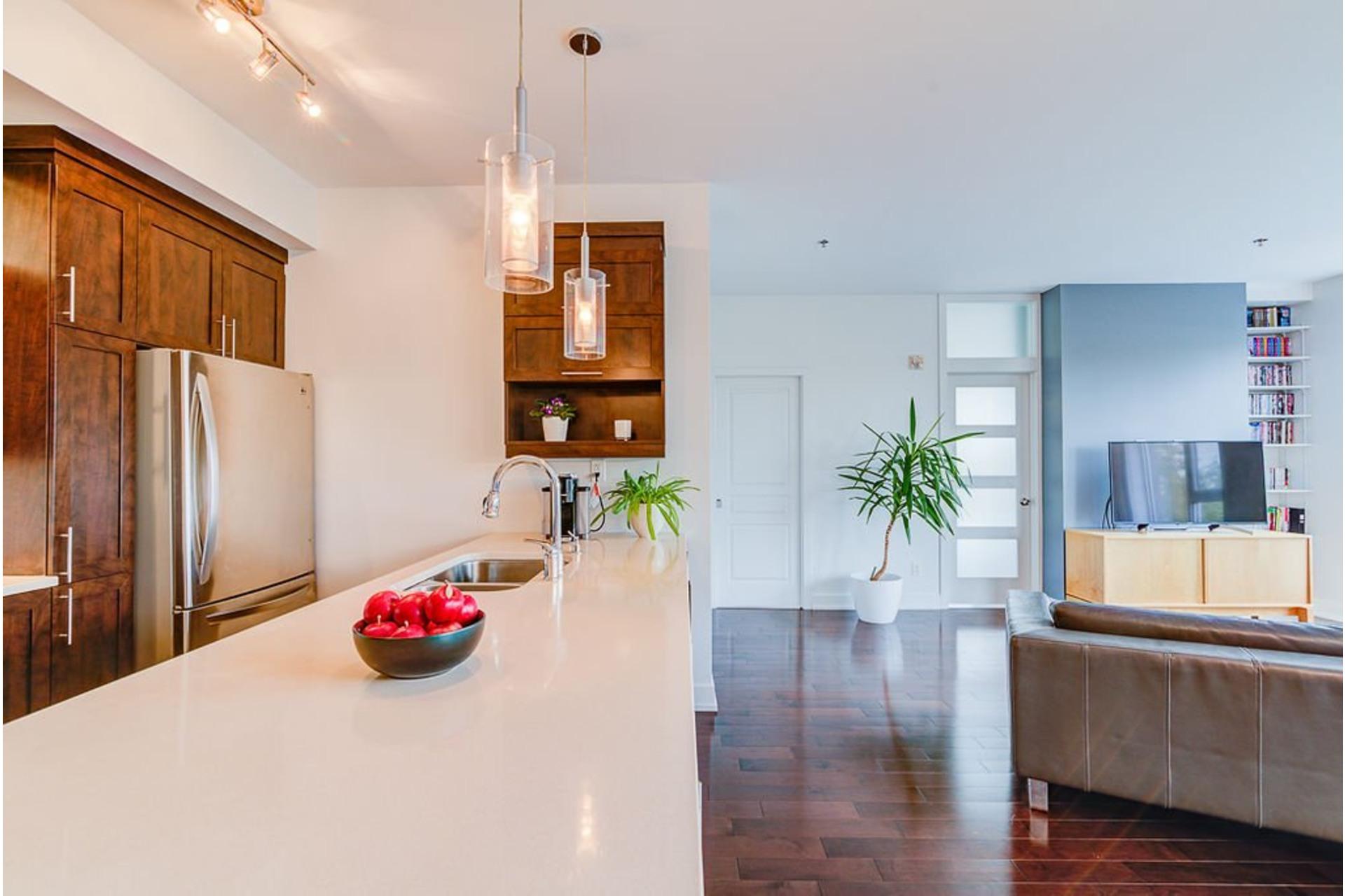 image 13 - Appartement À vendre Villeray/Saint-Michel/Parc-Extension Montréal  - 6 pièces