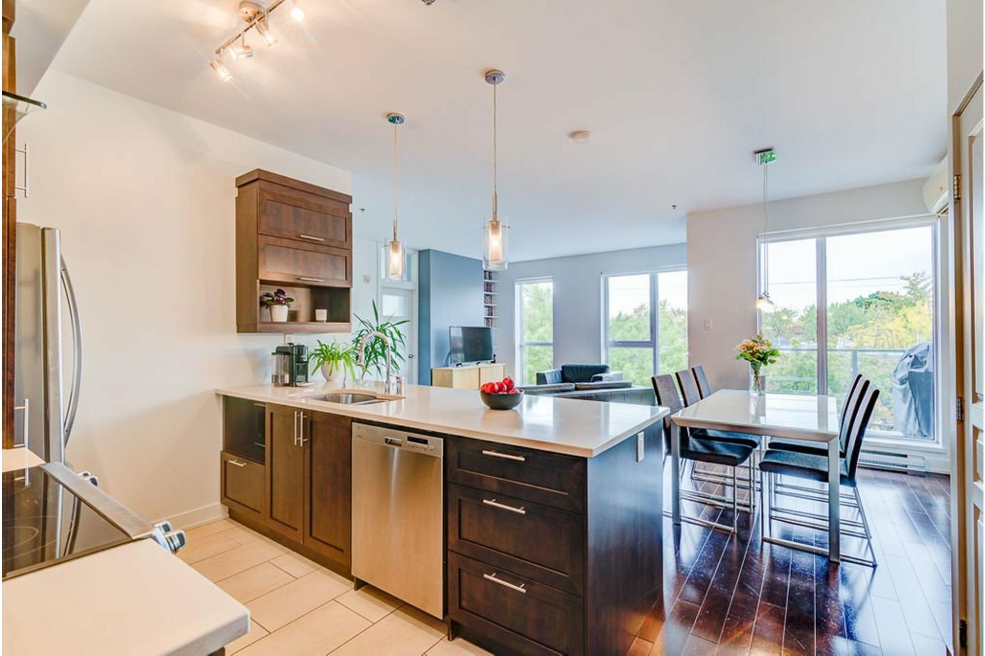 image 17 - Appartement À vendre Villeray/Saint-Michel/Parc-Extension Montréal  - 6 pièces