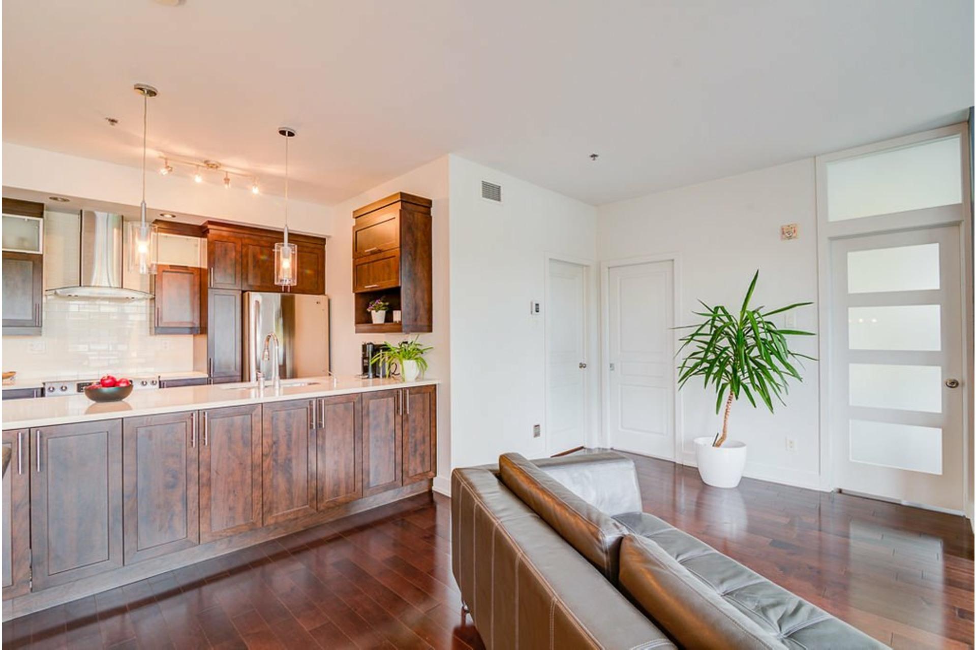 image 10 - Appartement À vendre Villeray/Saint-Michel/Parc-Extension Montréal  - 6 pièces