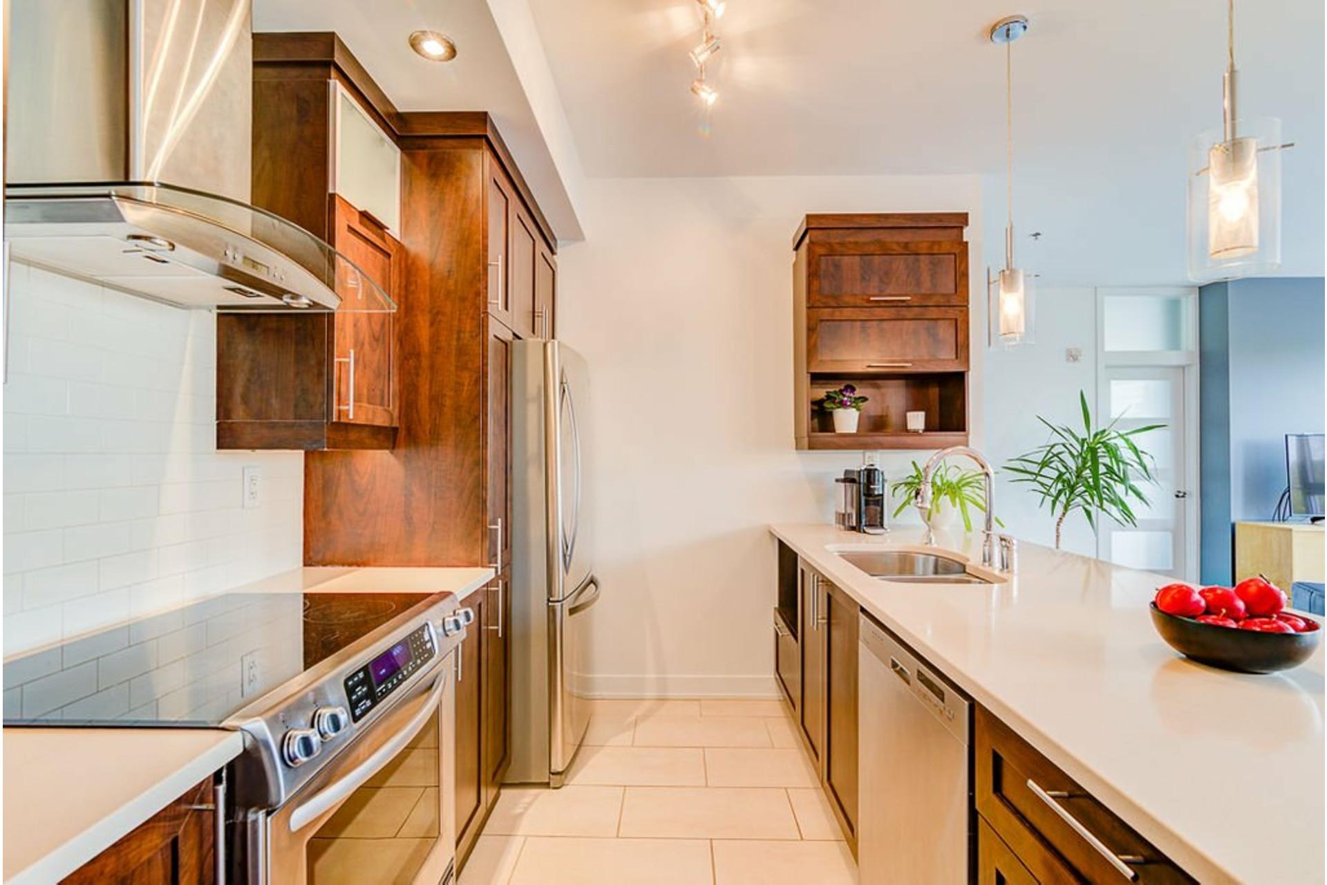 image 18 - Appartement À vendre Villeray/Saint-Michel/Parc-Extension Montréal  - 6 pièces
