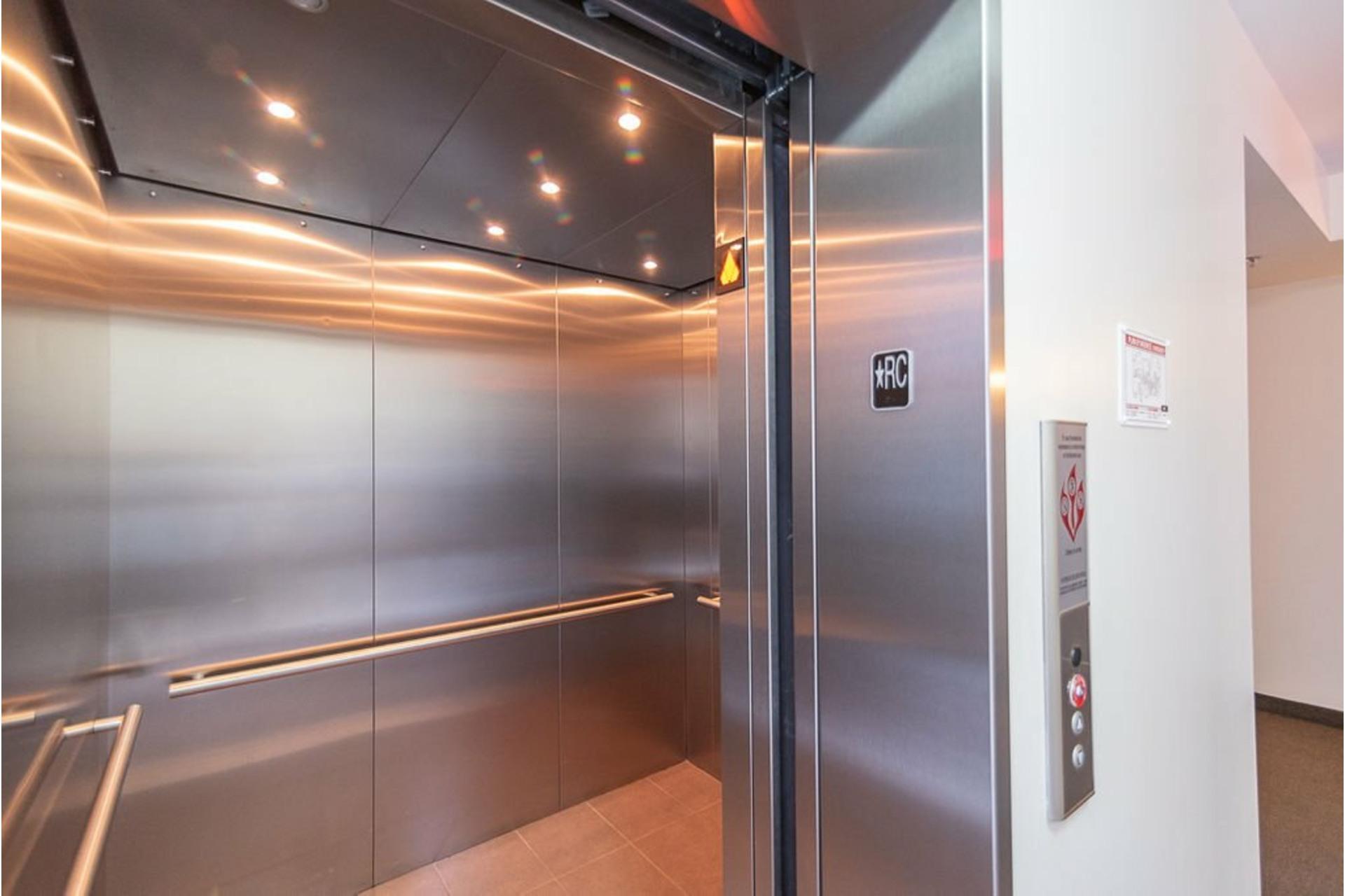 image 37 - Appartement À vendre Villeray/Saint-Michel/Parc-Extension Montréal  - 6 pièces