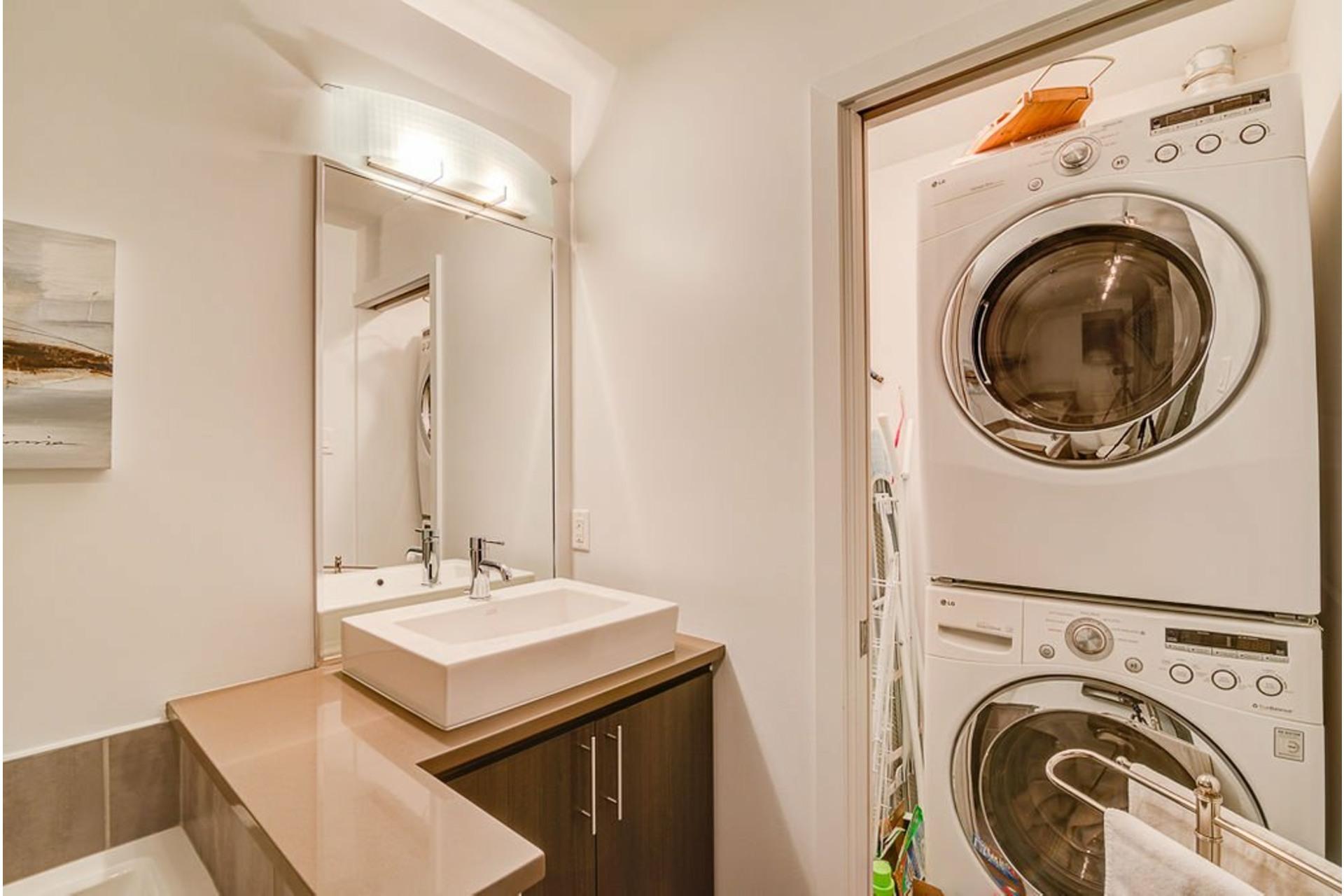 image 28 - Appartement À vendre Villeray/Saint-Michel/Parc-Extension Montréal  - 6 pièces