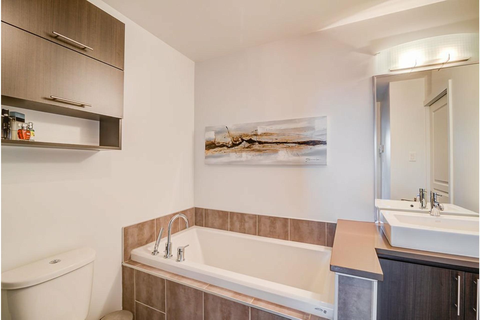 image 26 - Appartement À vendre Villeray/Saint-Michel/Parc-Extension Montréal  - 6 pièces